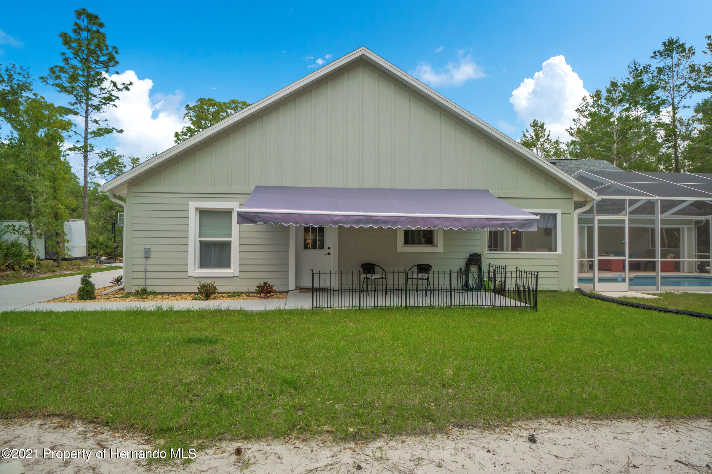 Listing photo id 45 for 10420 Mahoning Avenue