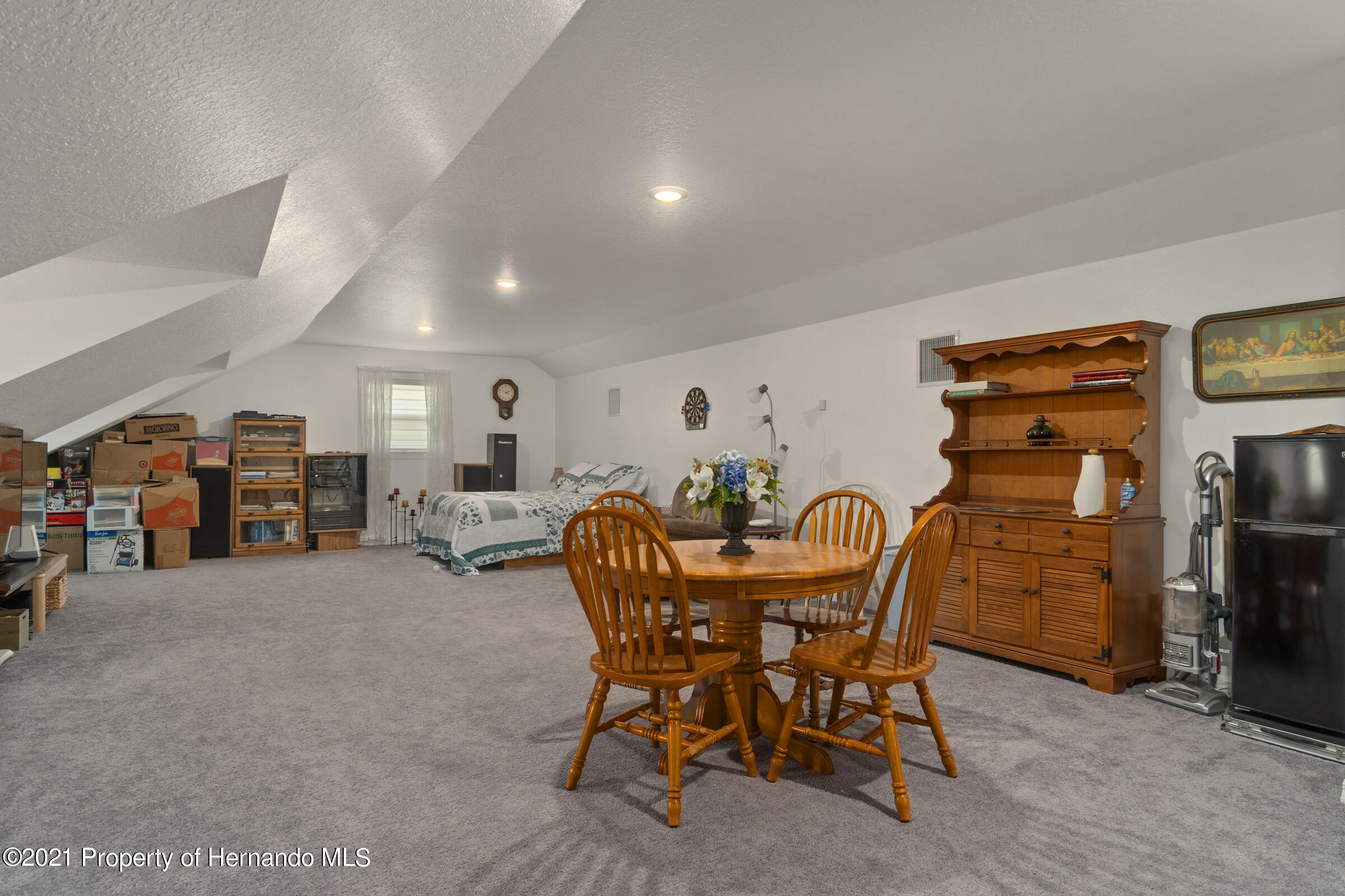 Listing photo id 37 for 10420 Mahoning Avenue