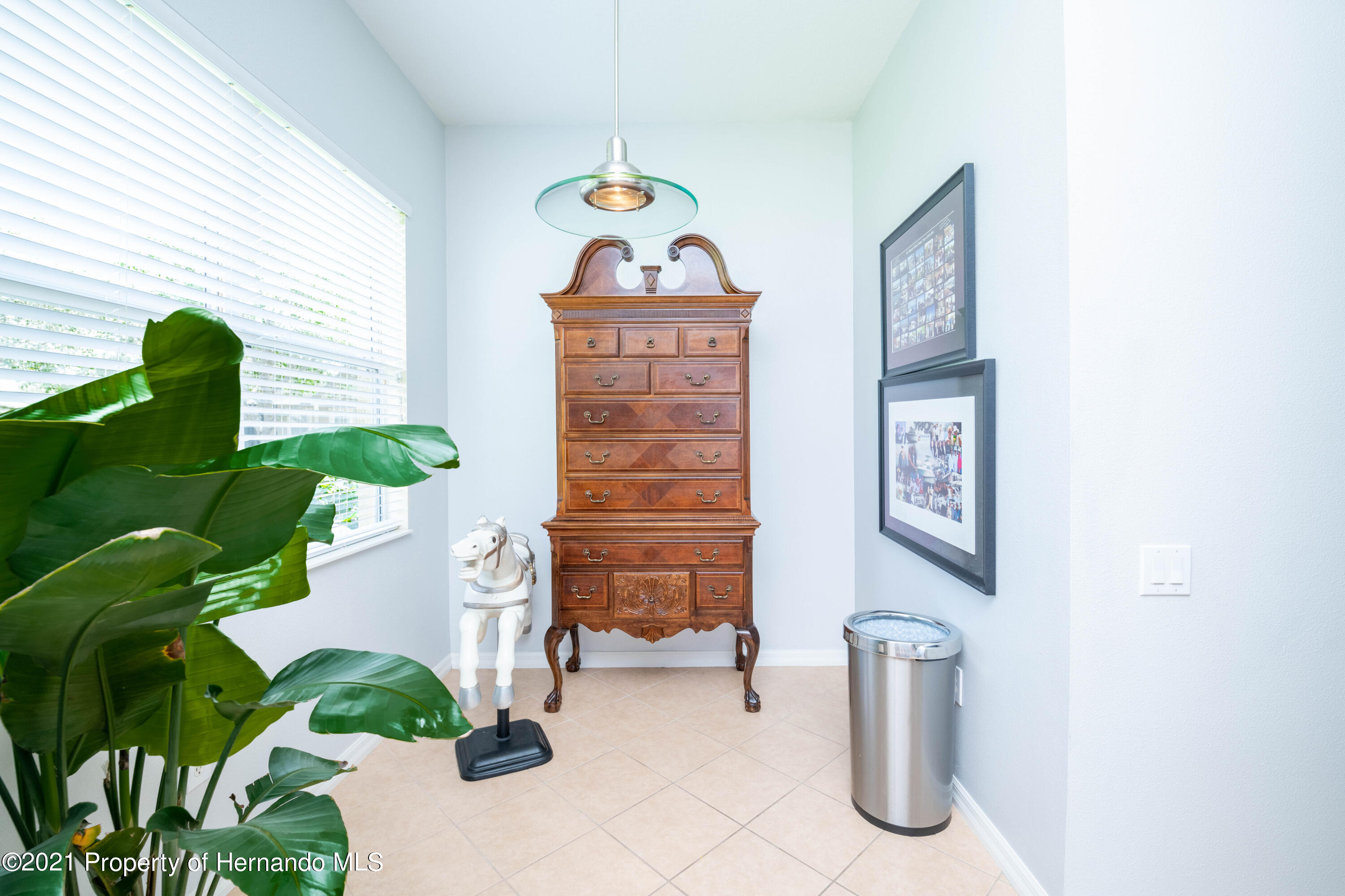Listing photo id 7 for 5356 Cappleman Loop