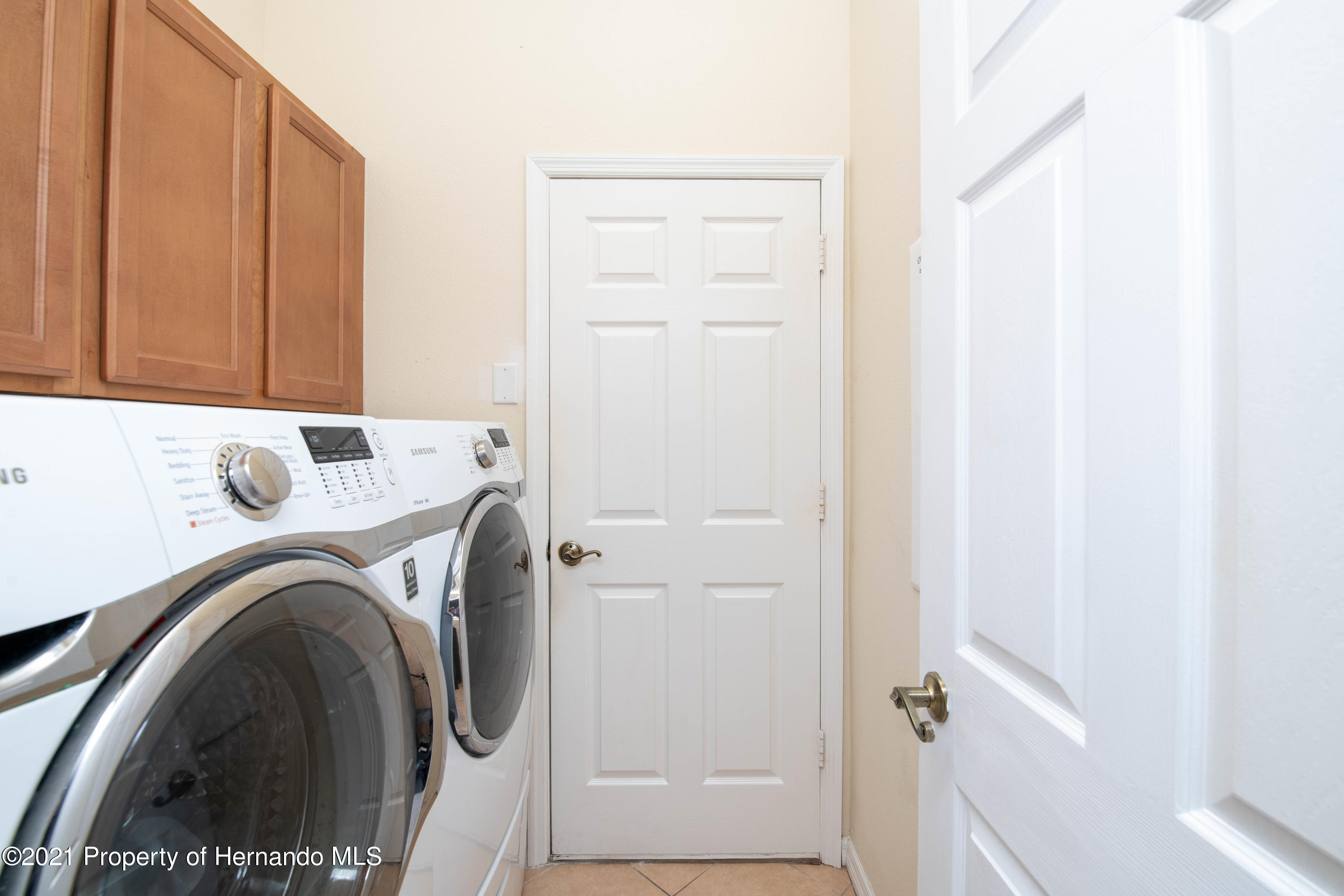 Listing photo id 27 for 5356 Cappleman Loop