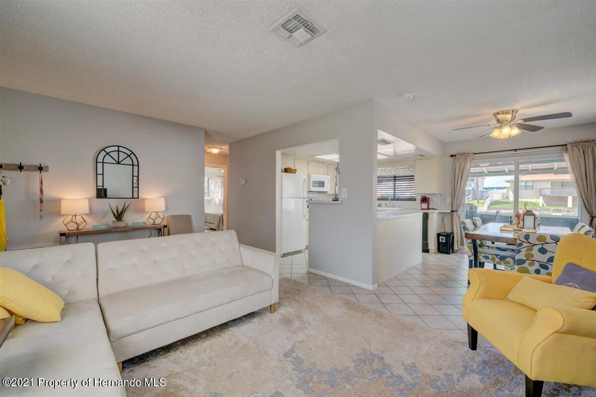 Image 11 For 4059 Gulfview Drive