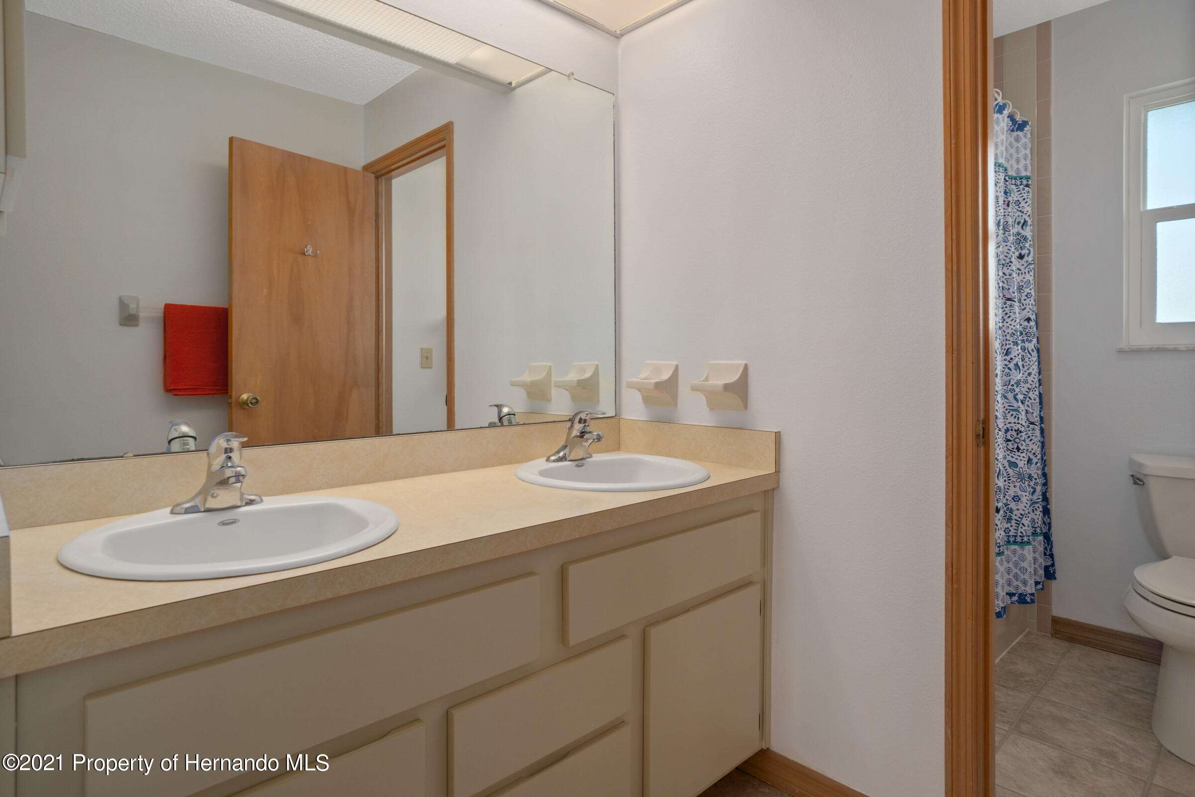 Listing photo id 27 for 3335 Bluefish Drive