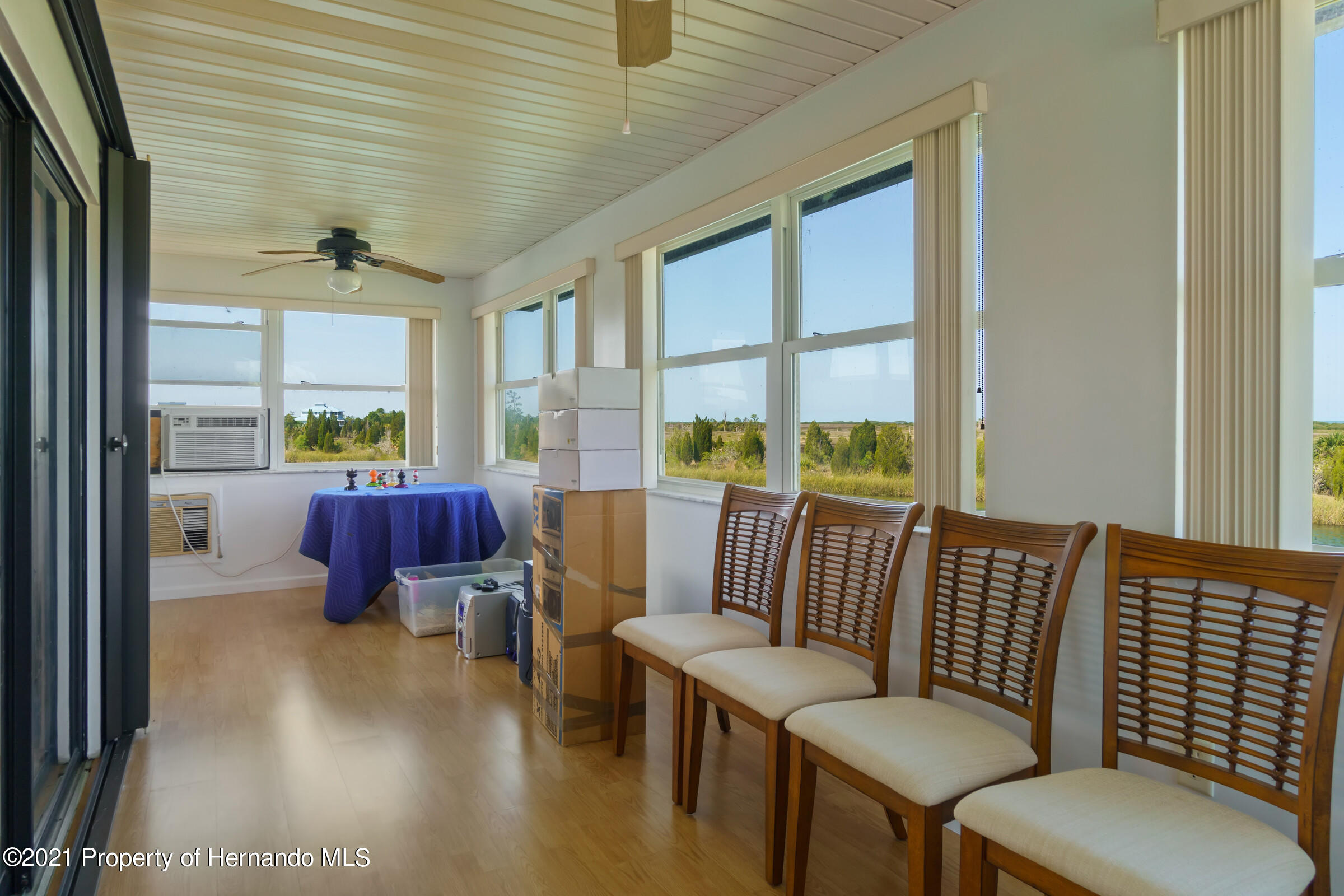 Listing photo id 10 for 3335 Bluefish Drive