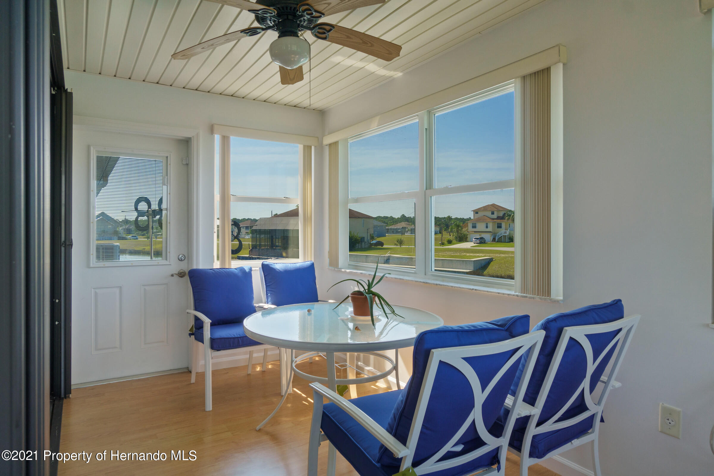 Listing photo id 12 for 3335 Bluefish Drive