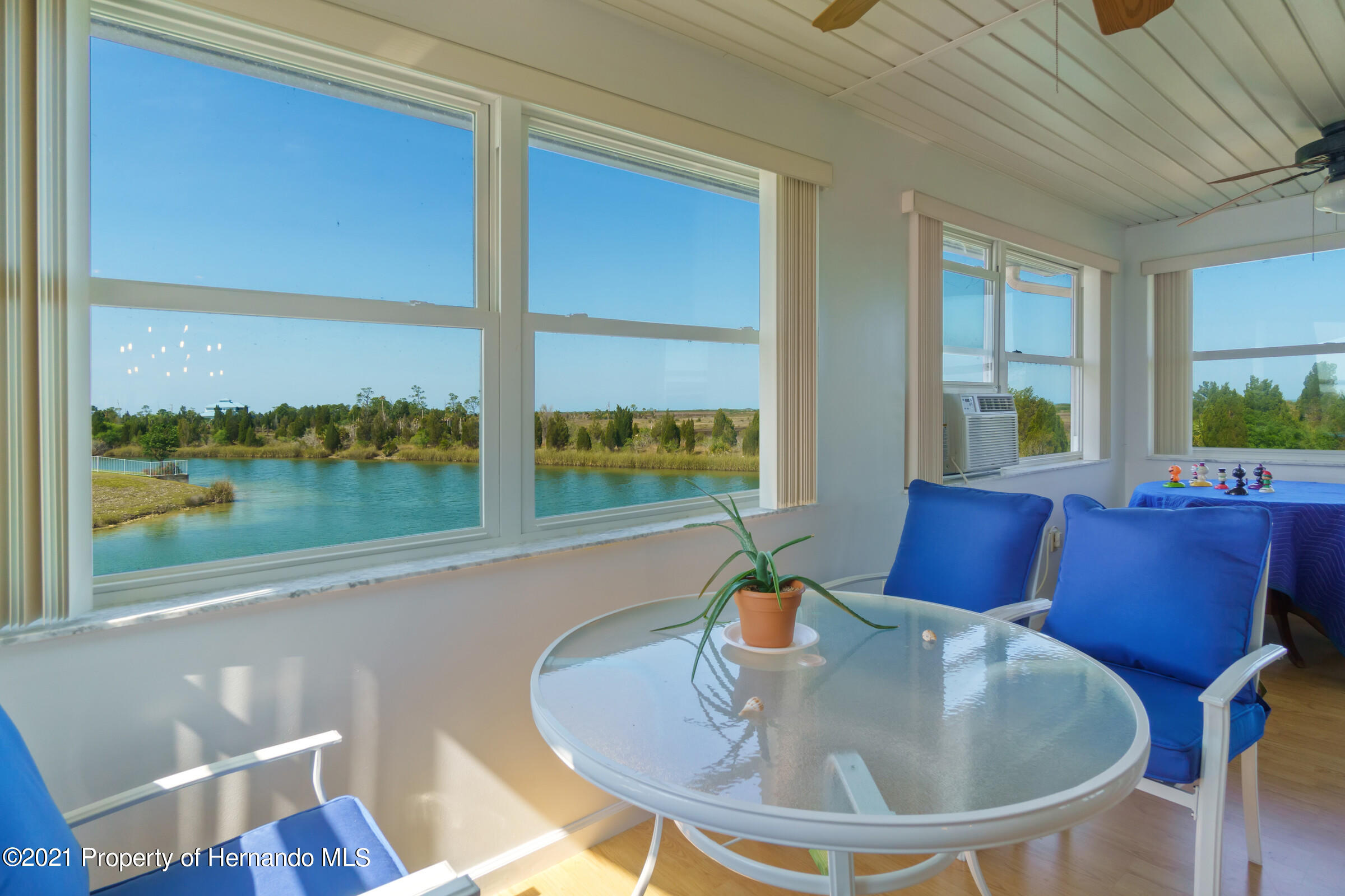 Listing photo id 11 for 3335 Bluefish Drive