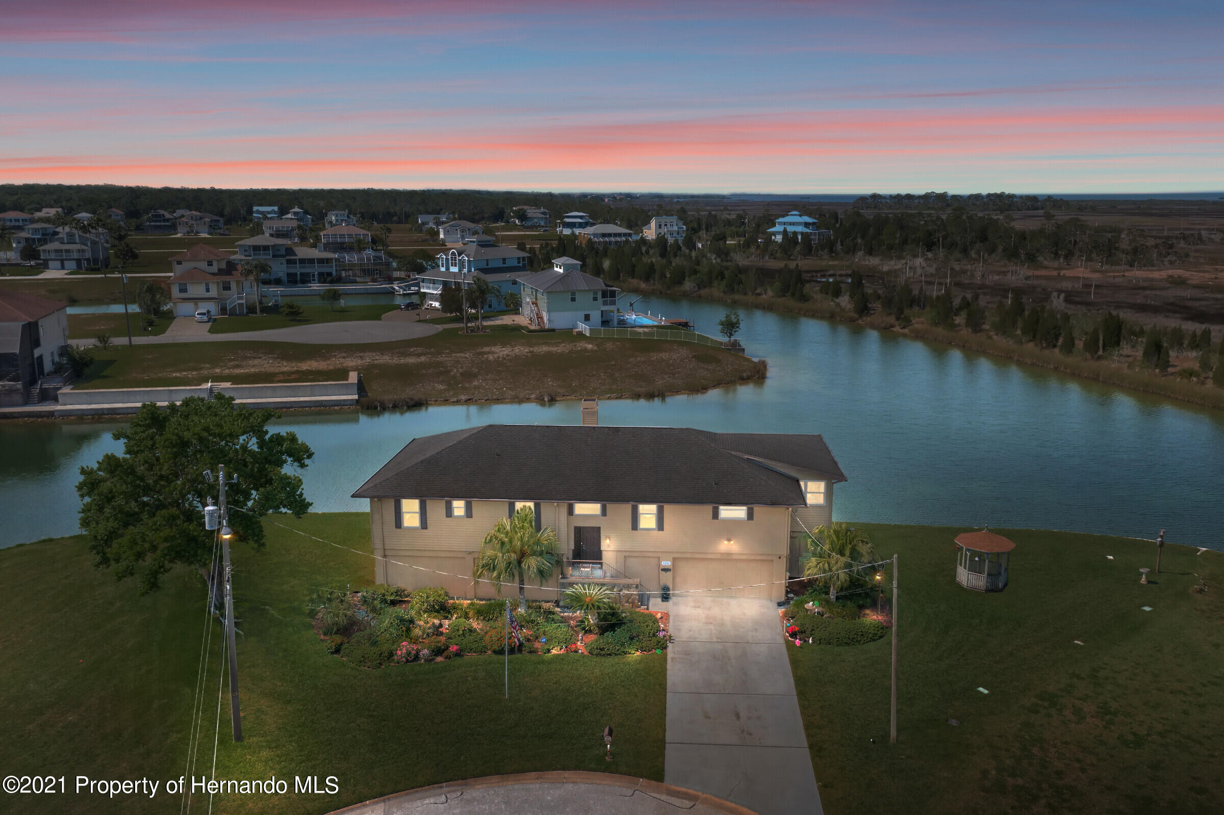 Listing photo id 3 for 3335 Bluefish Drive