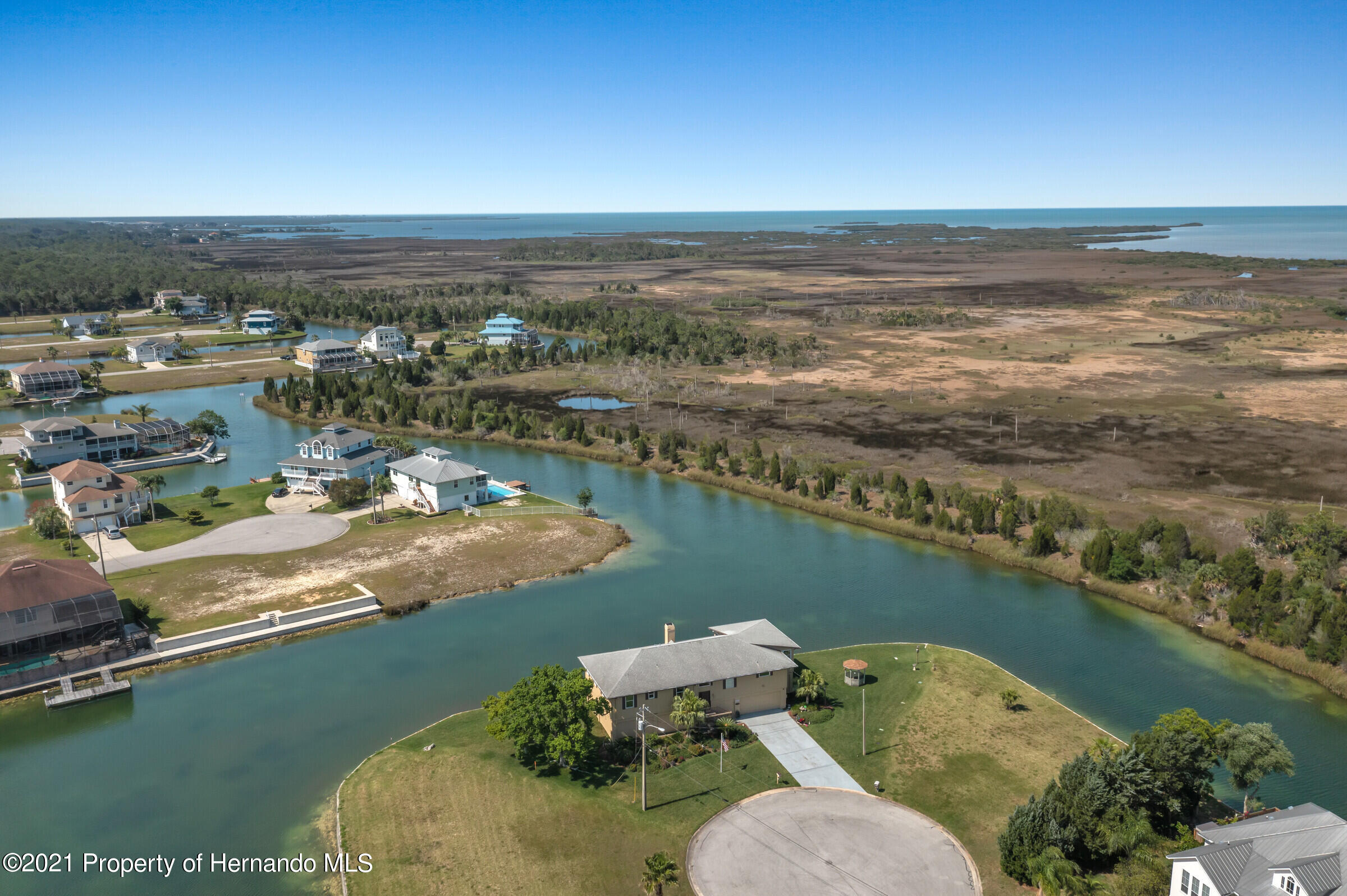 Listing photo id 31 for 3335 Bluefish Drive
