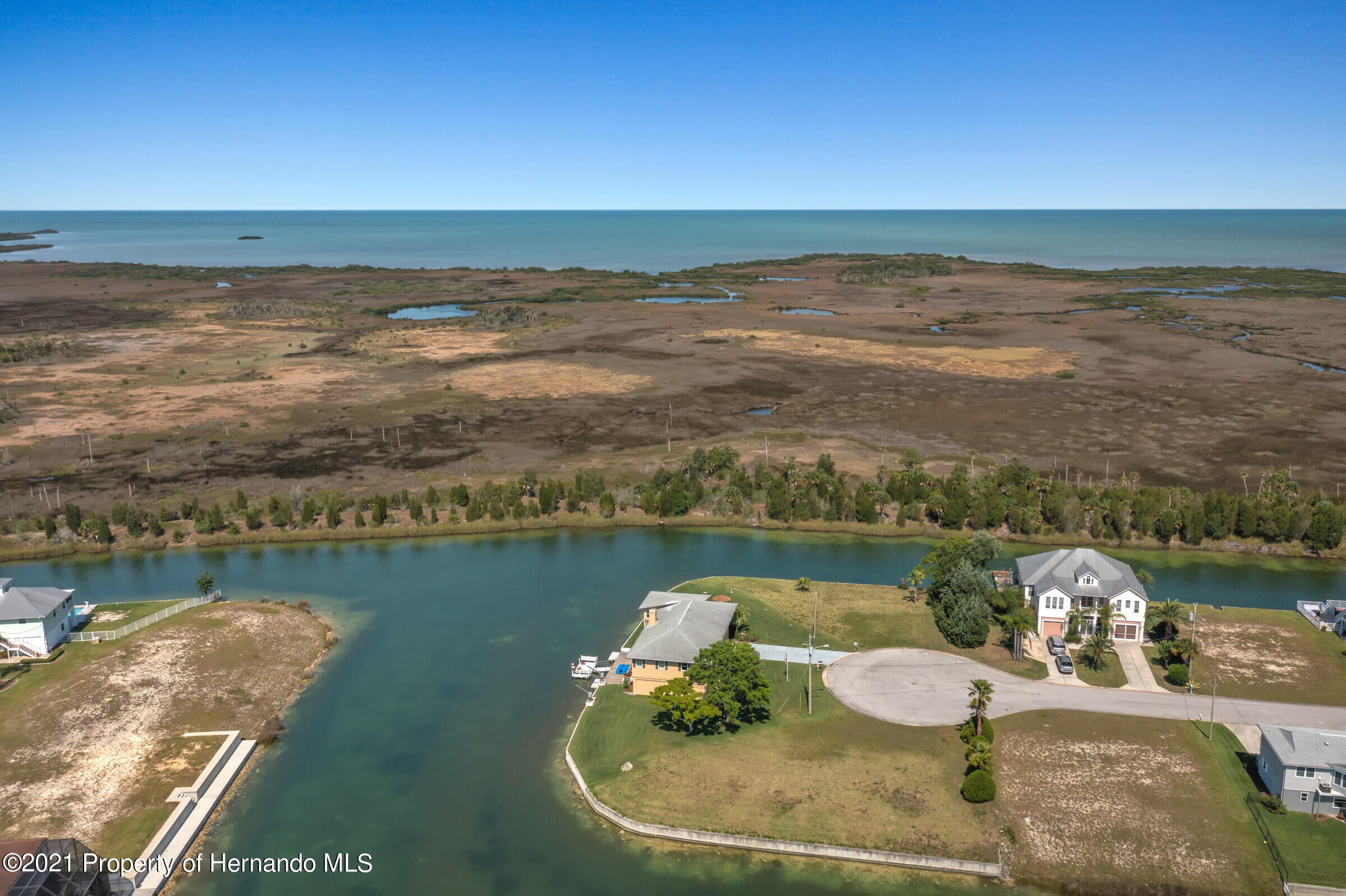 Listing photo id 32 for 3335 Bluefish Drive