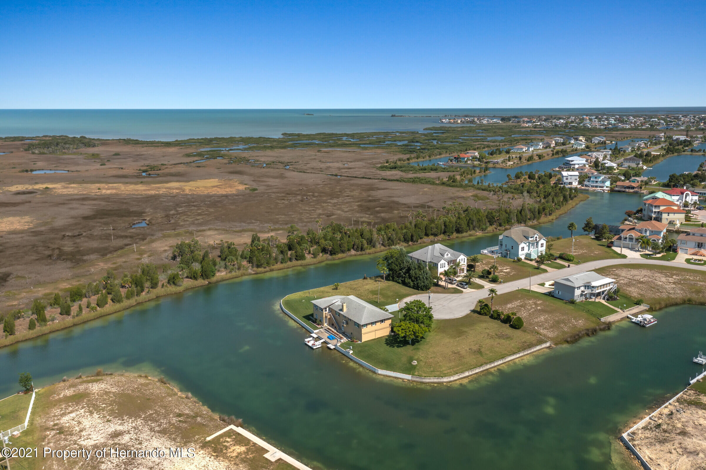 Listing photo id 33 for 3335 Bluefish Drive