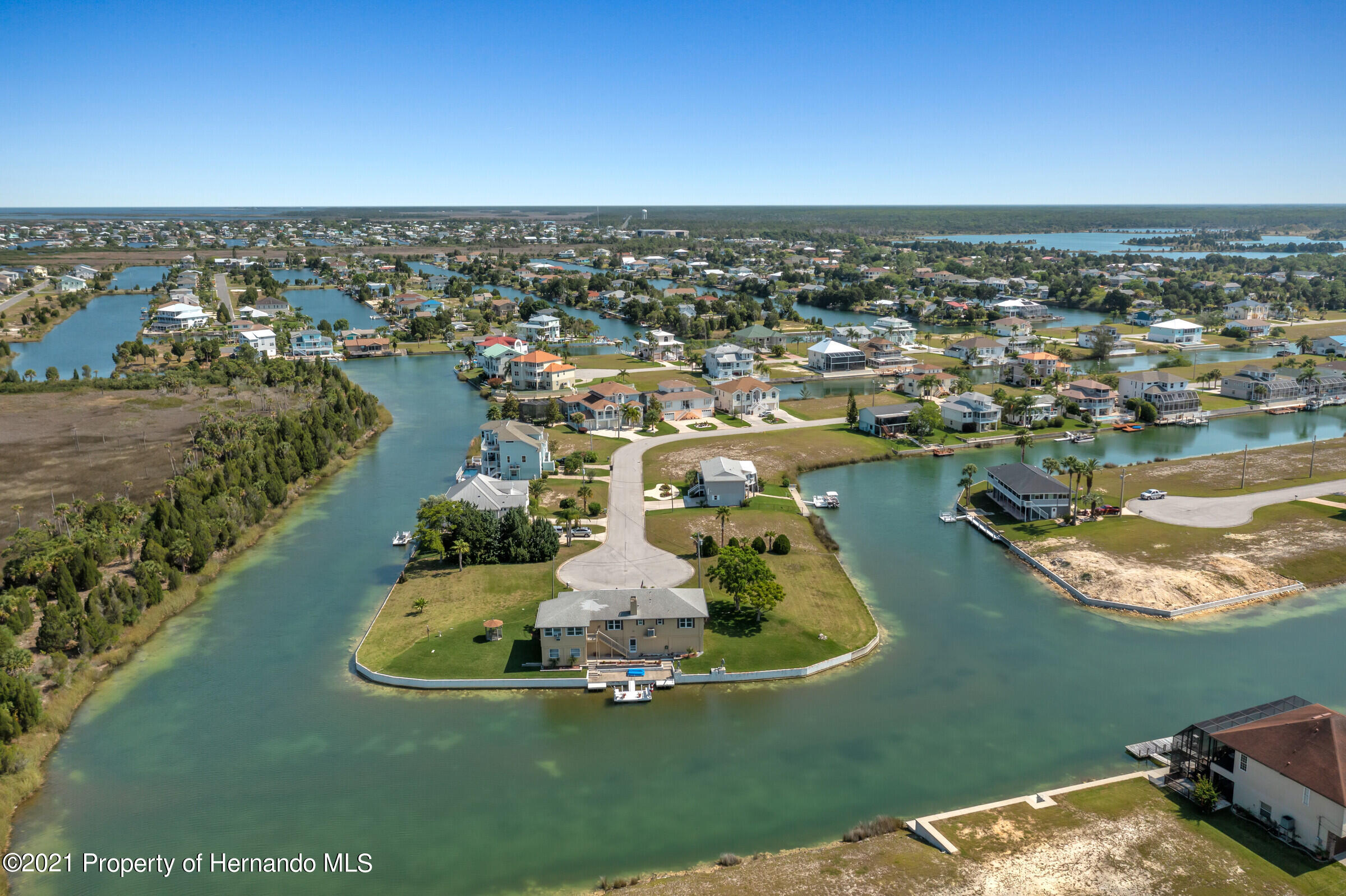 Listing photo id 34 for 3335 Bluefish Drive