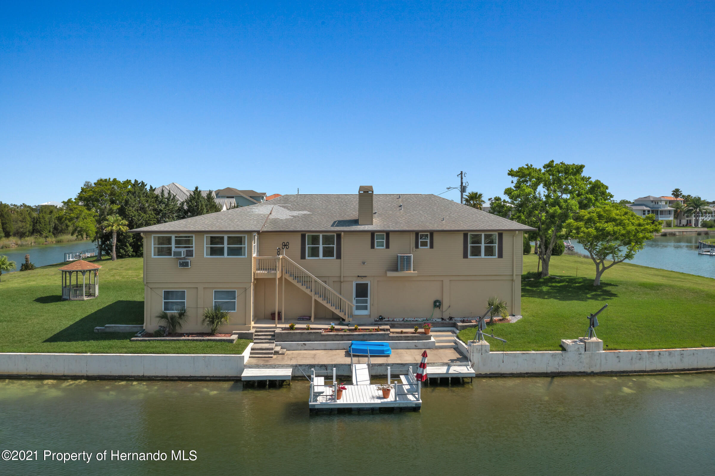 Listing photo id 4 for 3335 Bluefish Drive