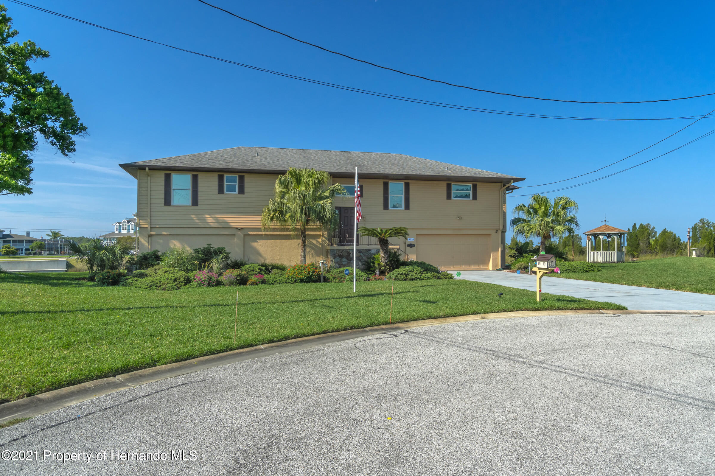 Listing photo id 35 for 3335 Bluefish Drive
