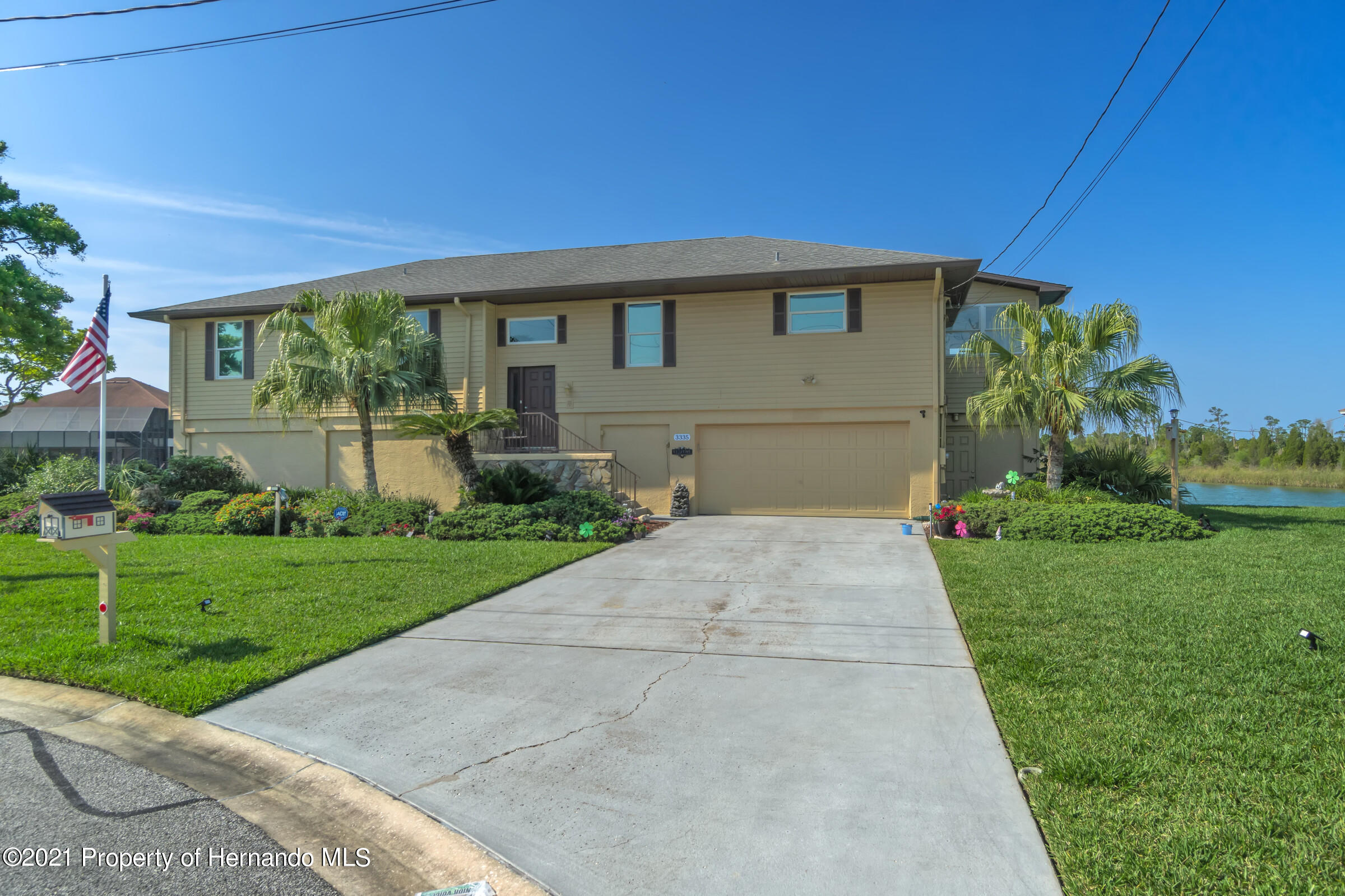 Listing photo id 38 for 3335 Bluefish Drive