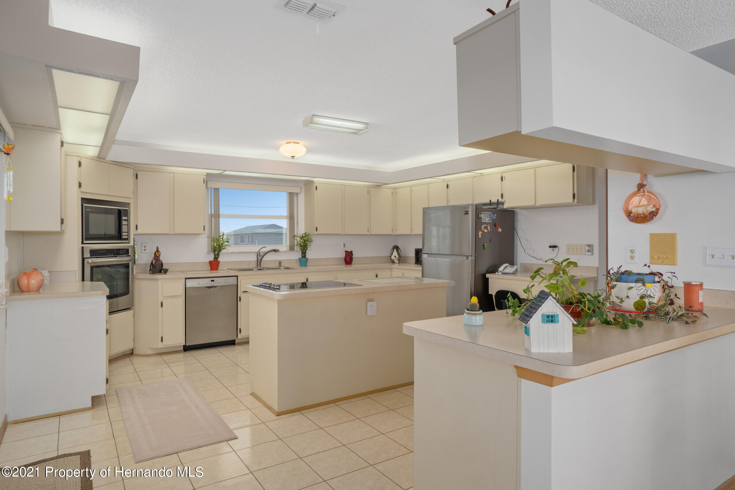 Listing photo id 13 for 3335 Bluefish Drive