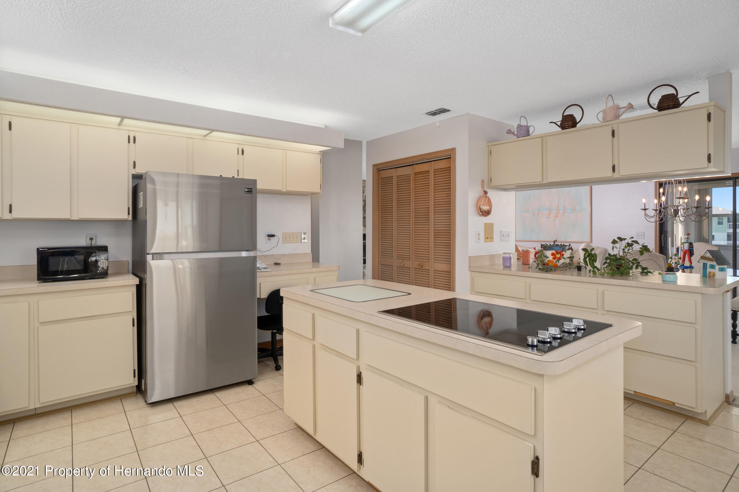 Listing photo id 14 for 3335 Bluefish Drive