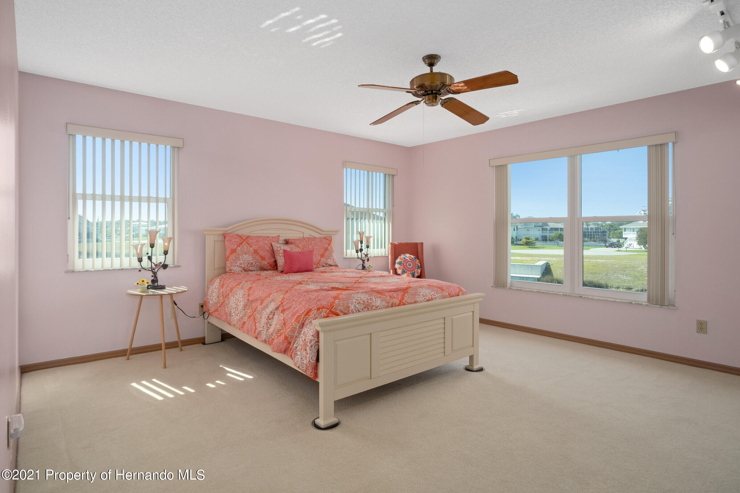 Listing photo id 21 for 3335 Bluefish Drive