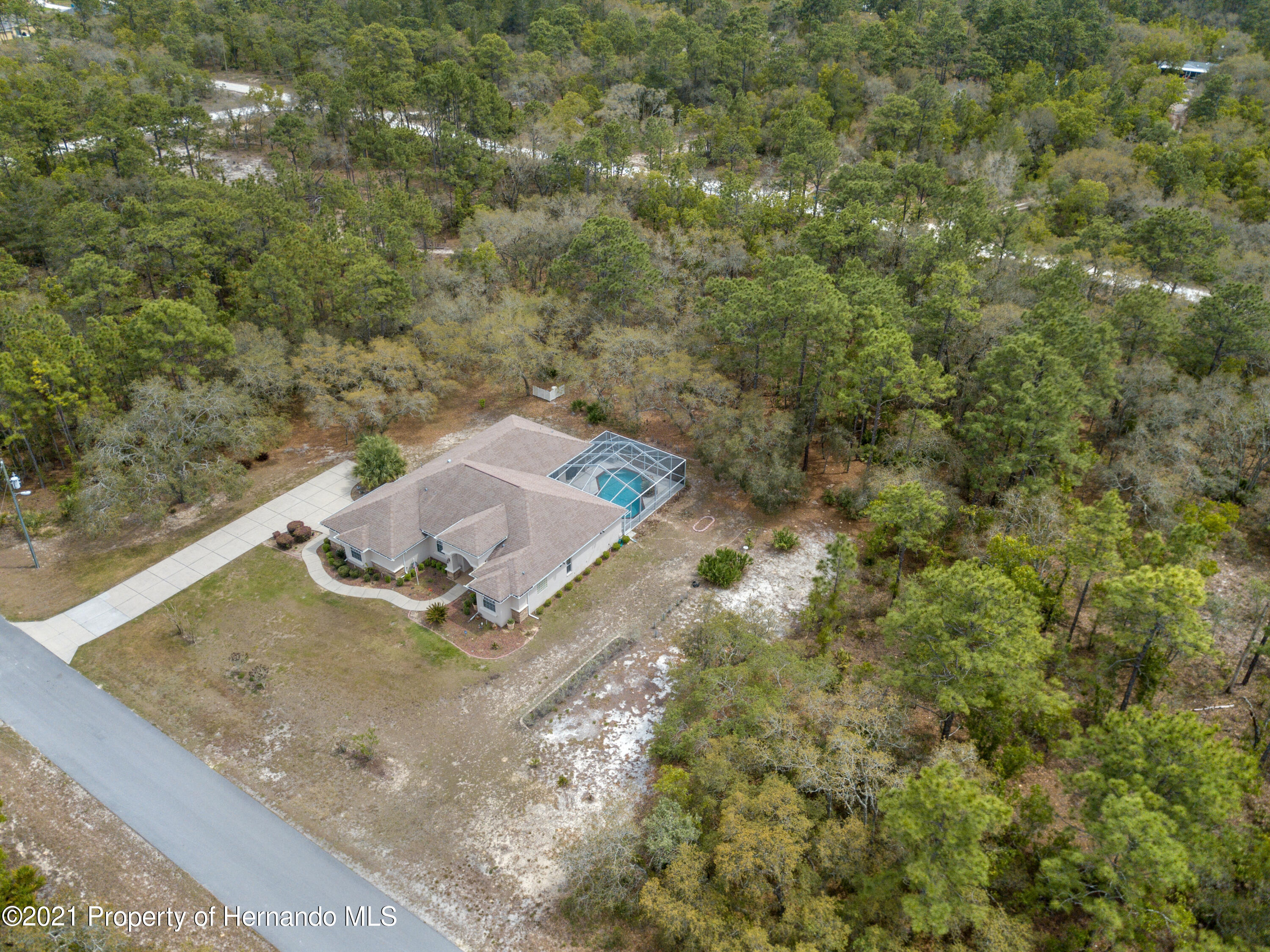 Listing photo id 2 for 10382 Spalding Street