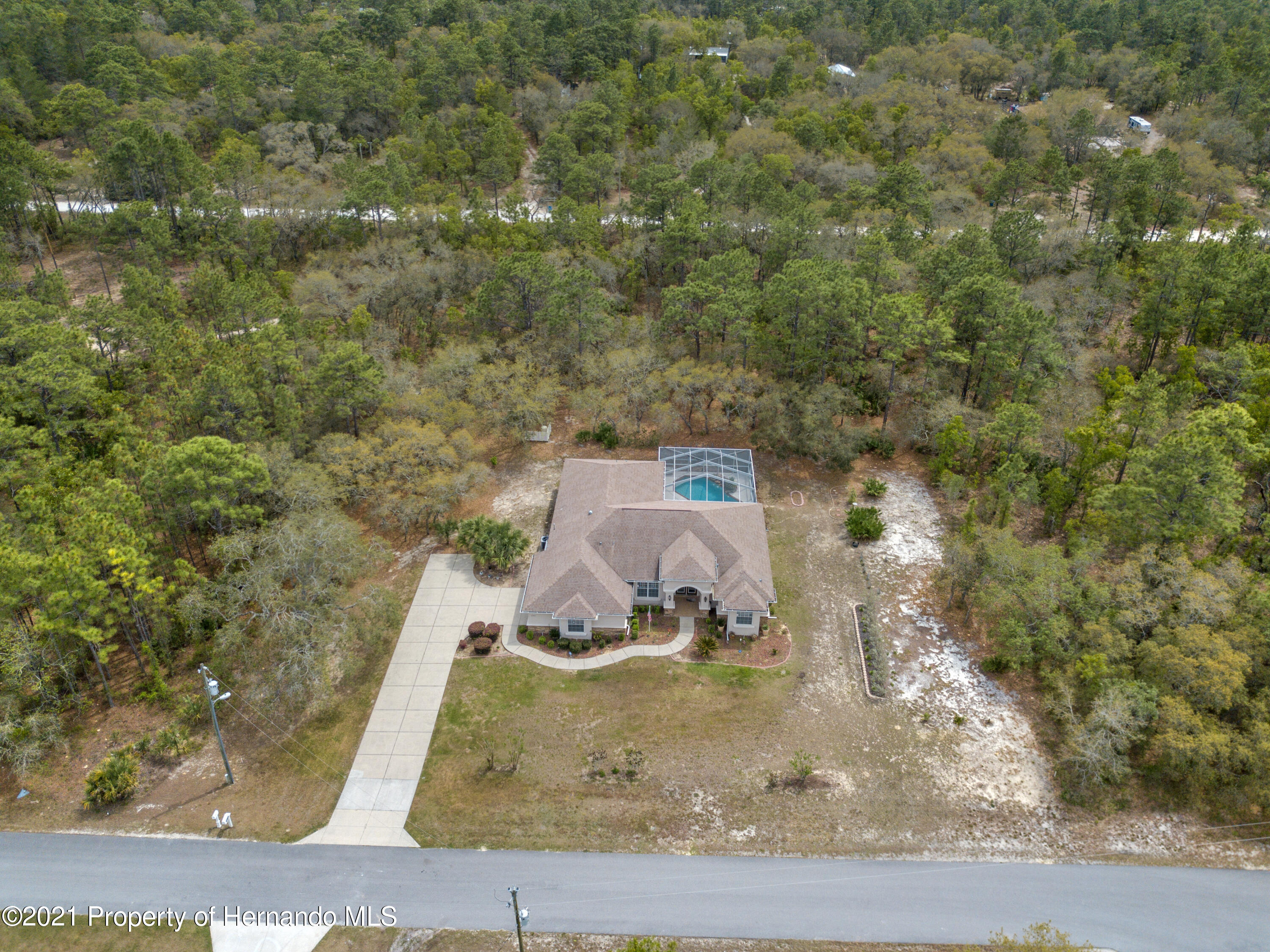 Listing photo id 3 for 10382 Spalding Street