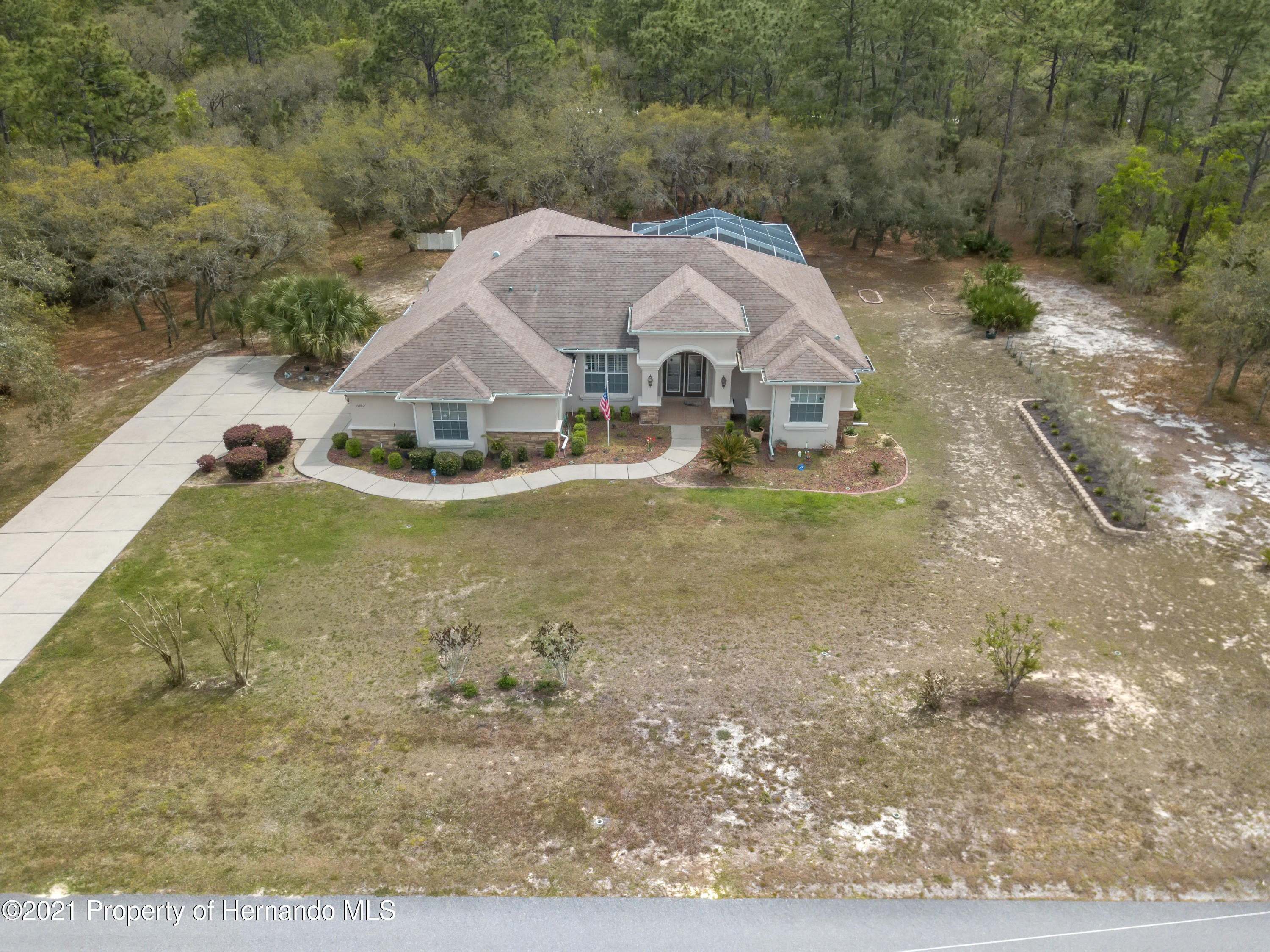 Listing photo id 6 for 10382 Spalding Street
