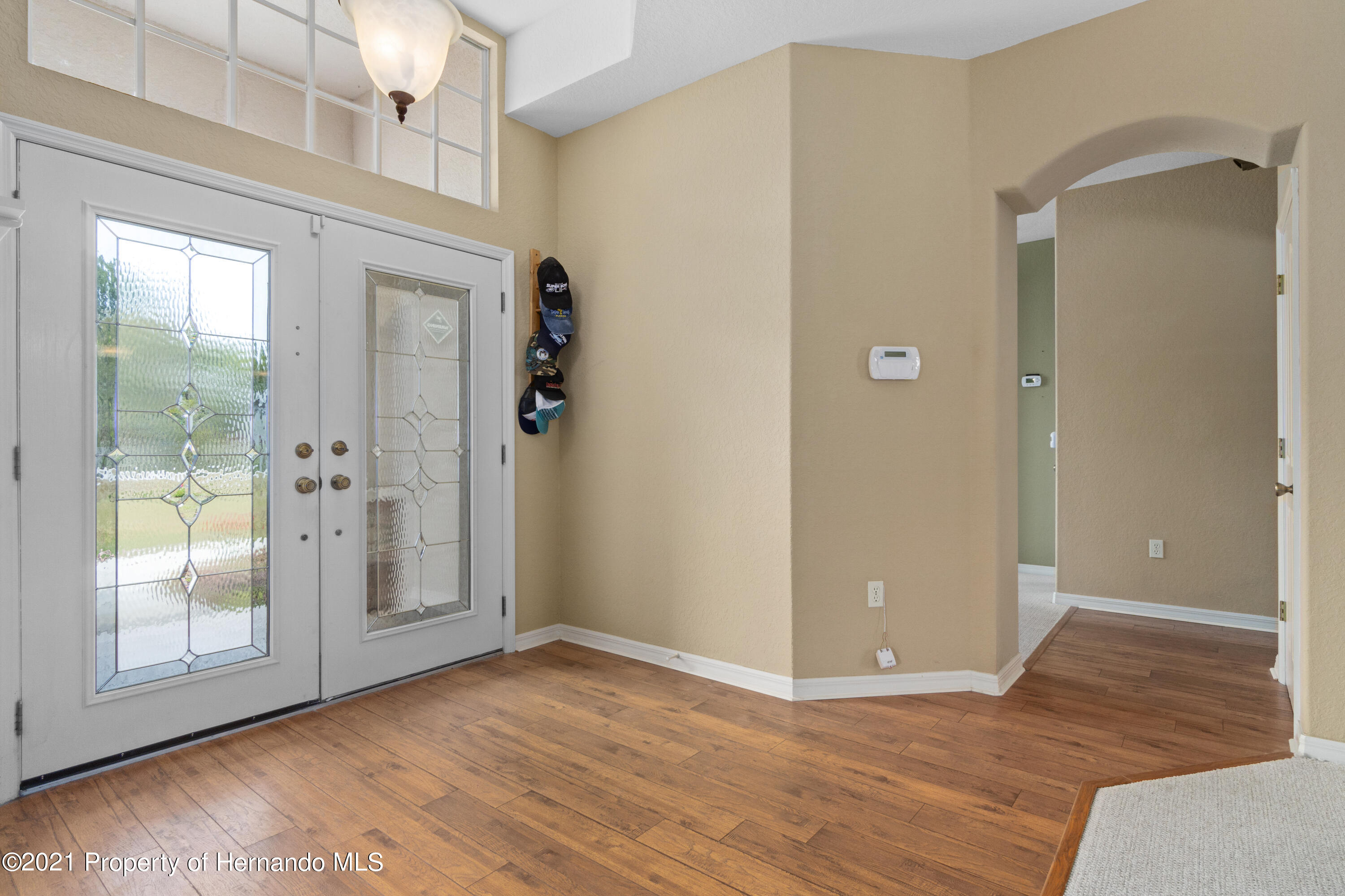 Listing photo id 10 for 10382 Spalding Street
