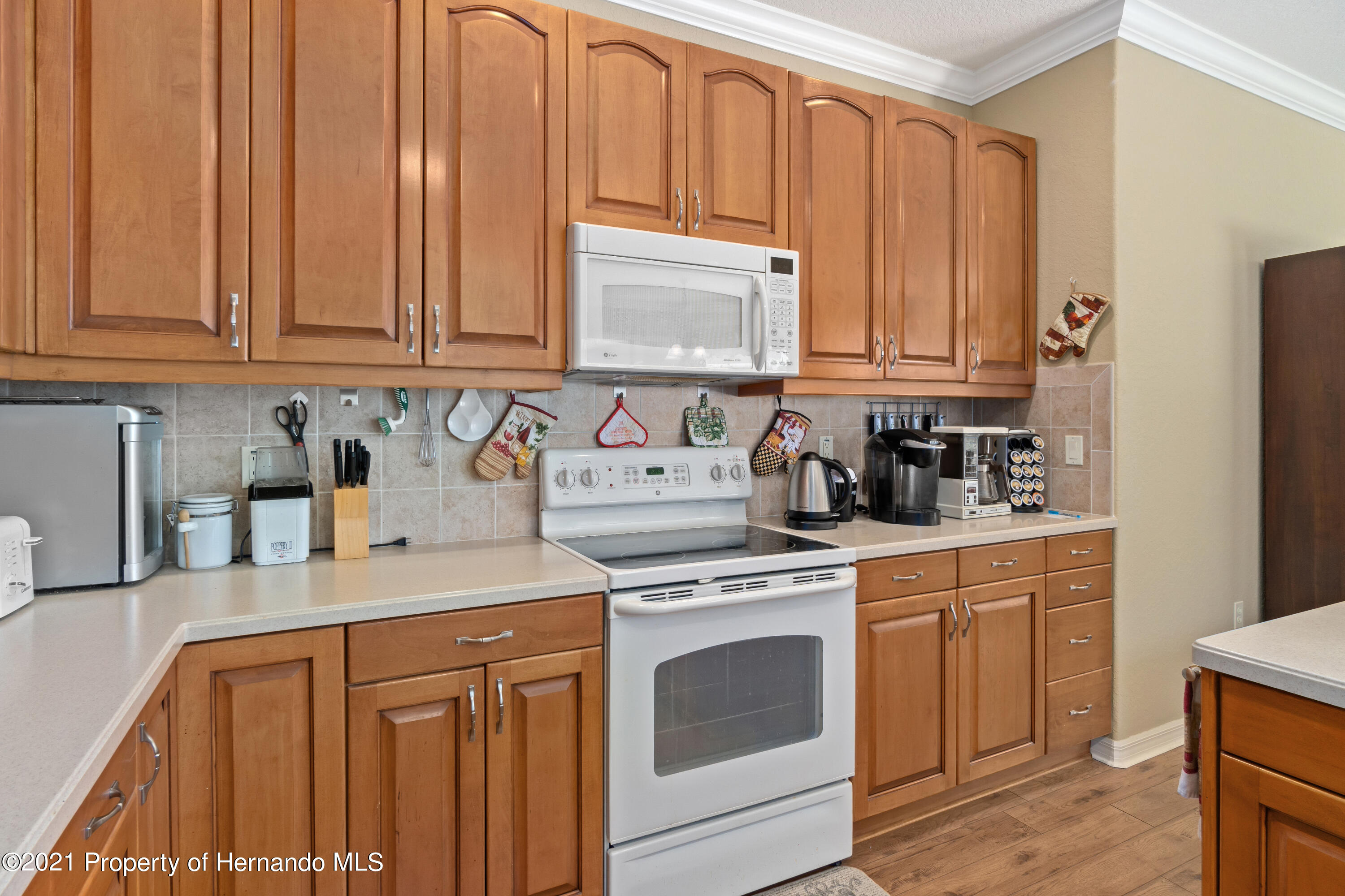 Listing photo id 16 for 10382 Spalding Street