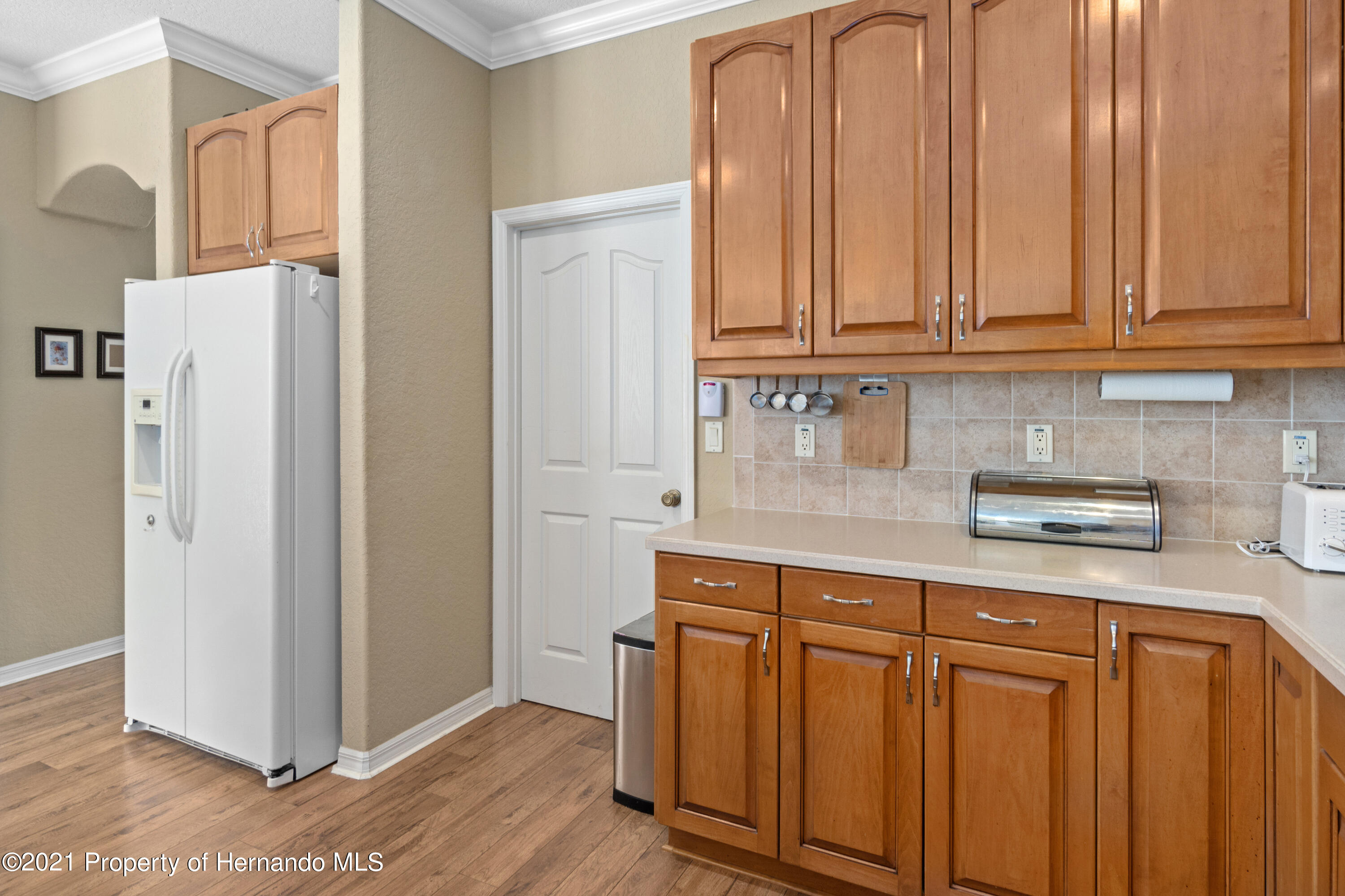 Listing photo id 18 for 10382 Spalding Street