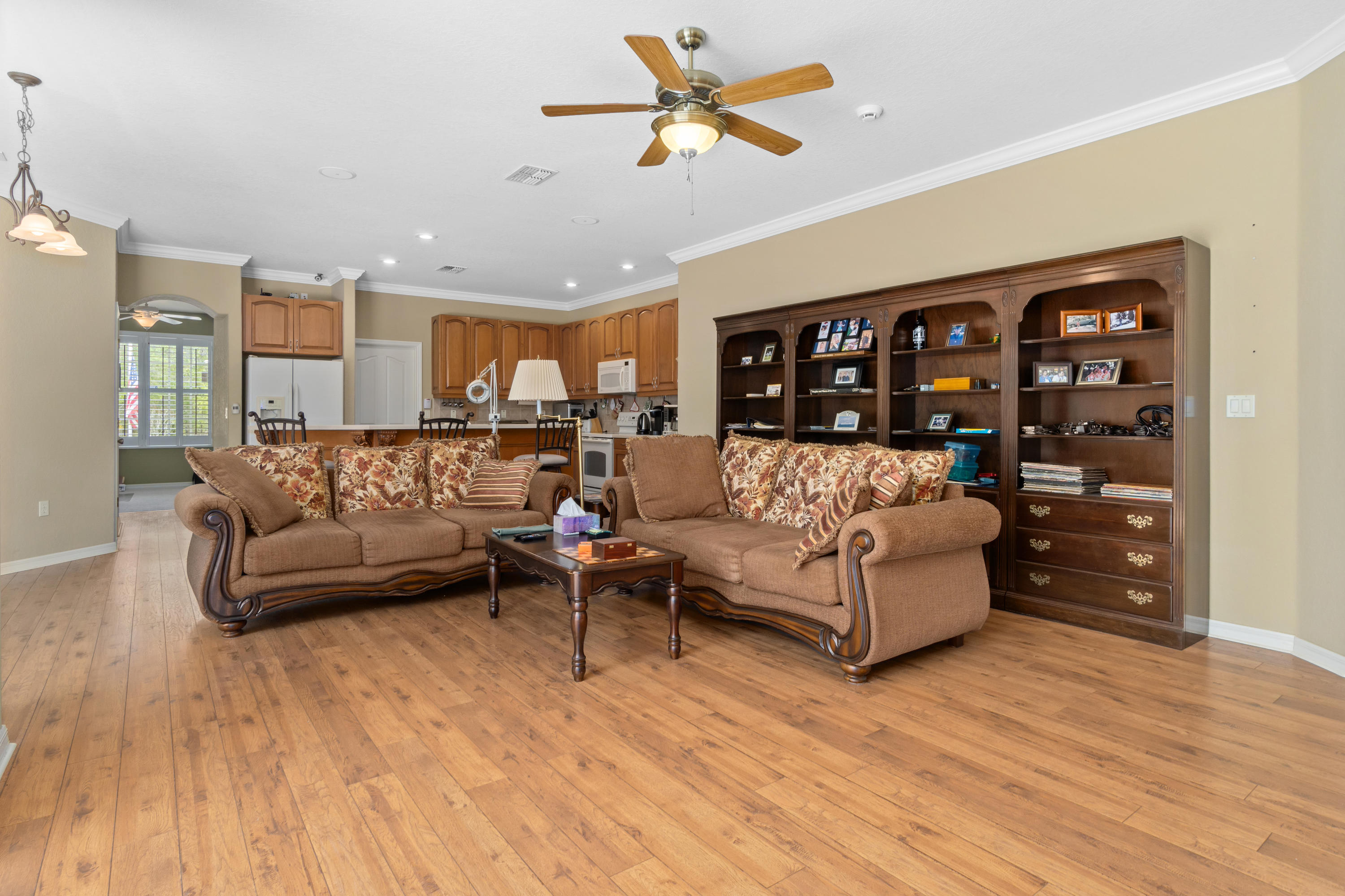 Listing photo id 20 for 10382 Spalding Street