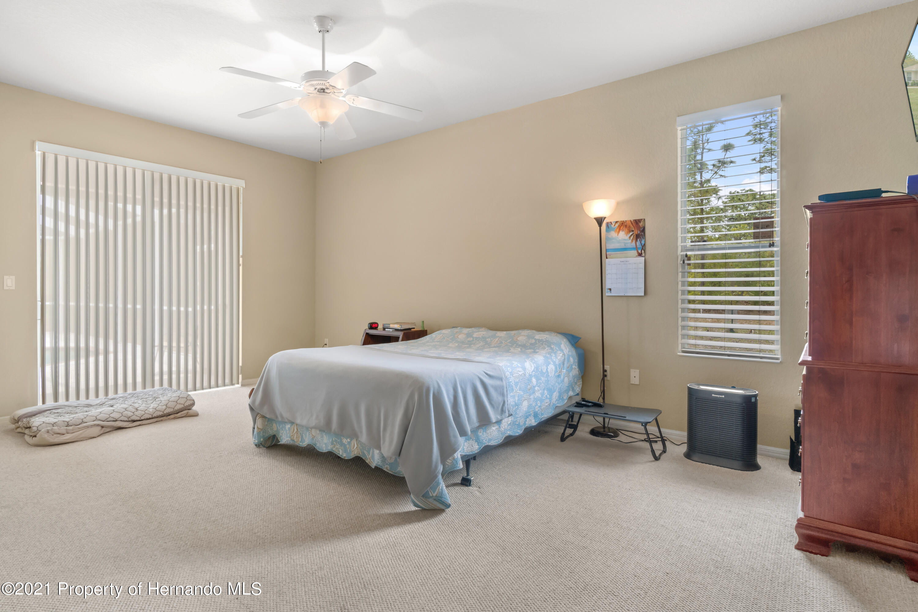 Listing photo id 21 for 10382 Spalding Street