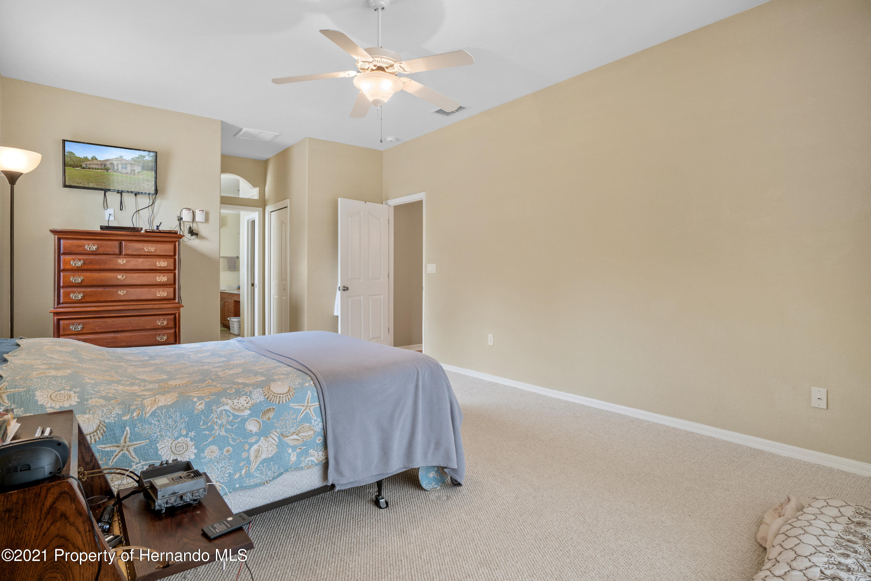 Listing photo id 22 for 10382 Spalding Street