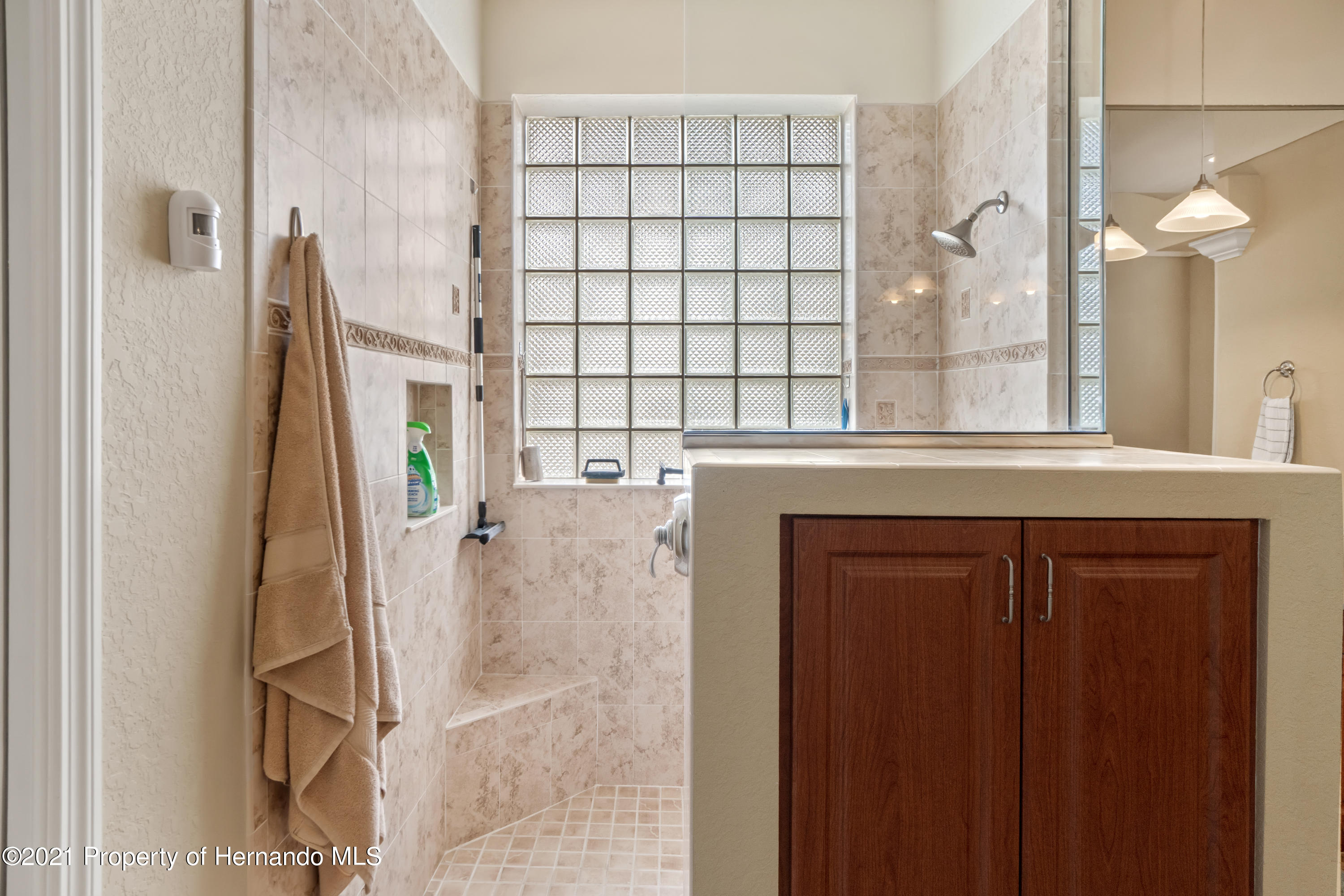 Listing photo id 27 for 10382 Spalding Street
