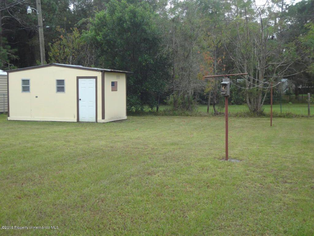Listing photo id 4 for 15392 Sinclair Road