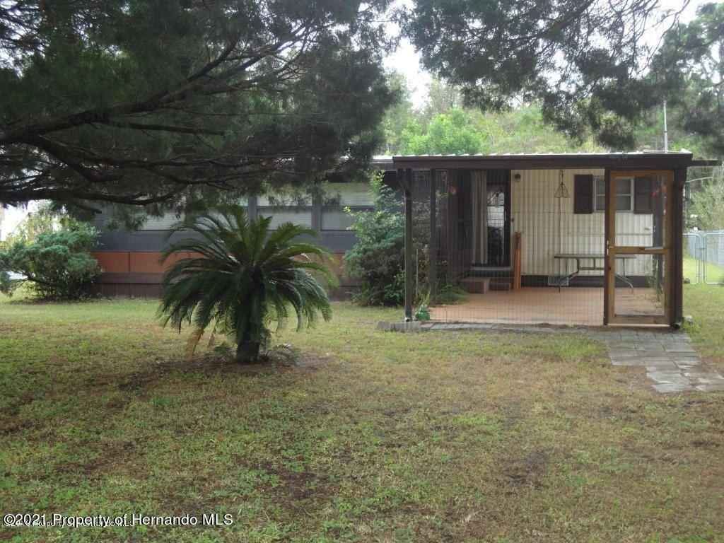 Listing photo id 2 for 15392 Sinclair Road