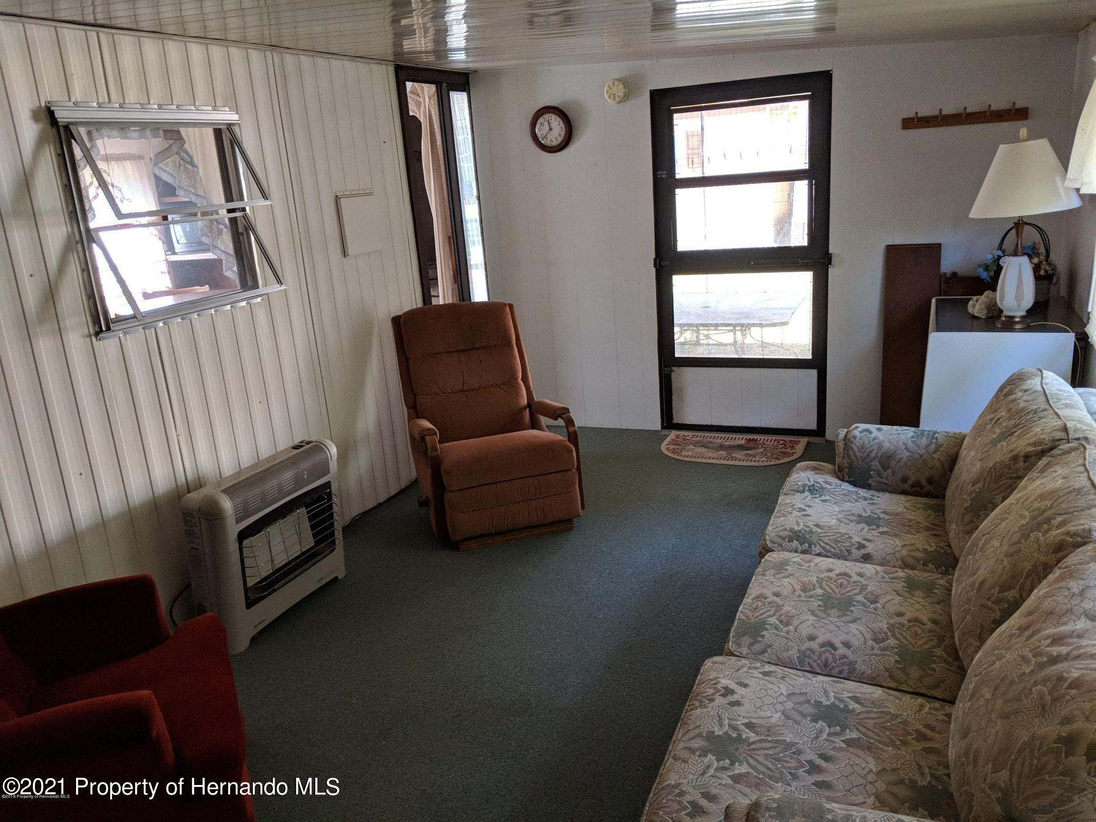 Listing photo id 6 for 15392 Sinclair Road