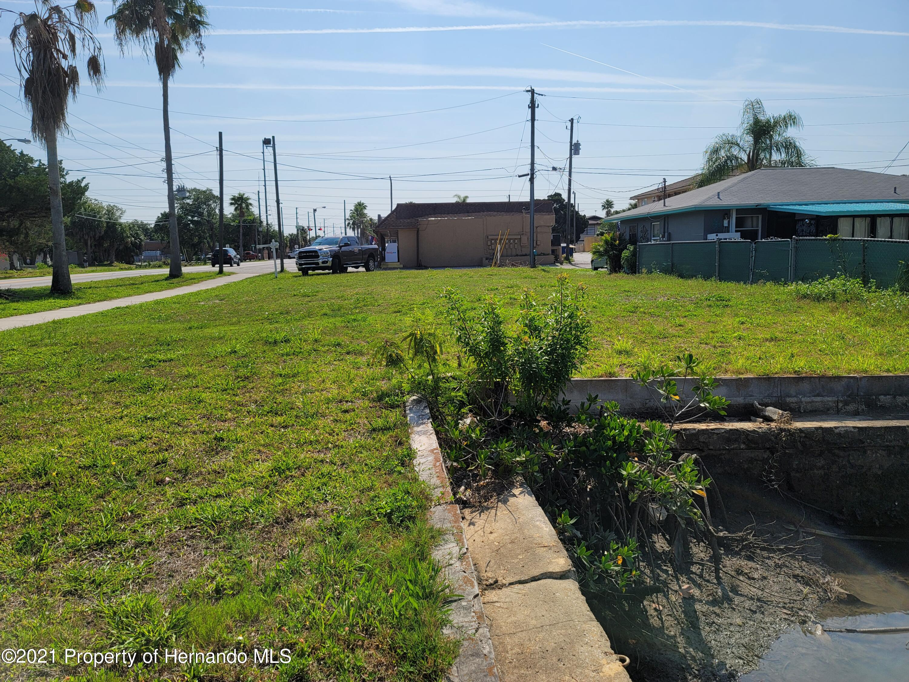 Listing photo id 2 for 0 Muriel Avenue