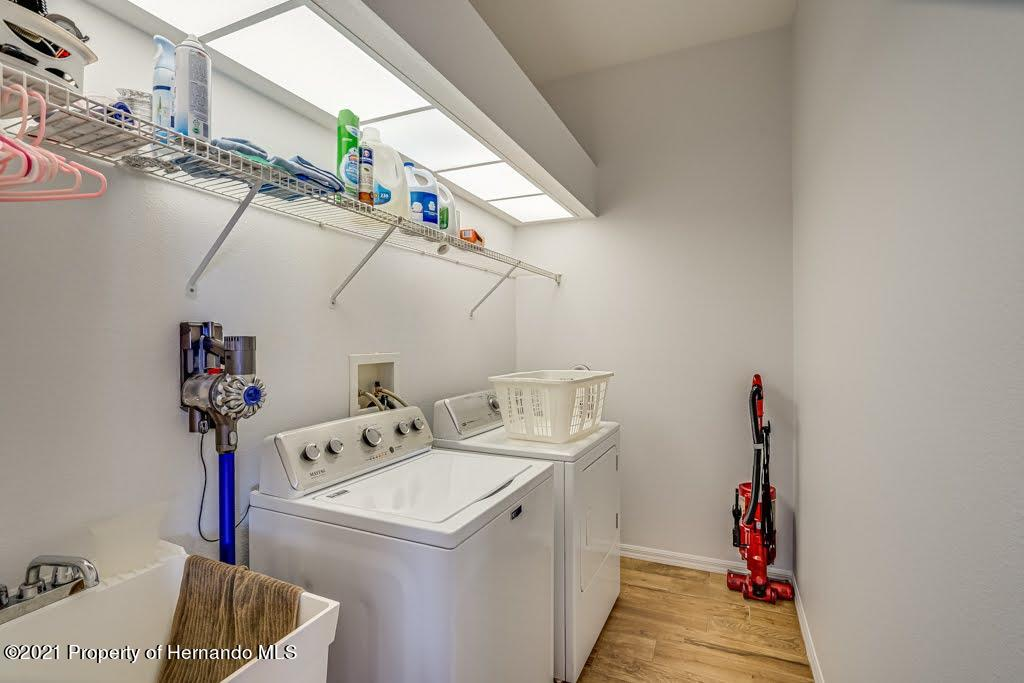 Listing photo id 31 for 4108 St Ives Boulevard