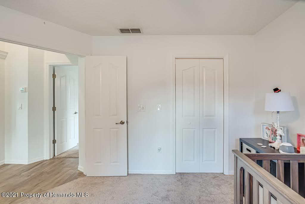Listing photo id 25 for 4108 St Ives Boulevard