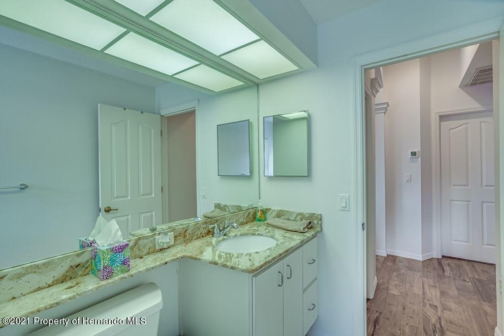 Listing photo id 26 for 4108 St Ives Boulevard