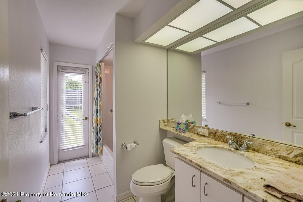 Listing photo id 28 for 4108 St Ives Boulevard
