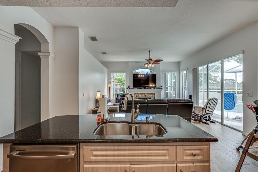 Listing photo id 17 for 4108 St Ives Boulevard