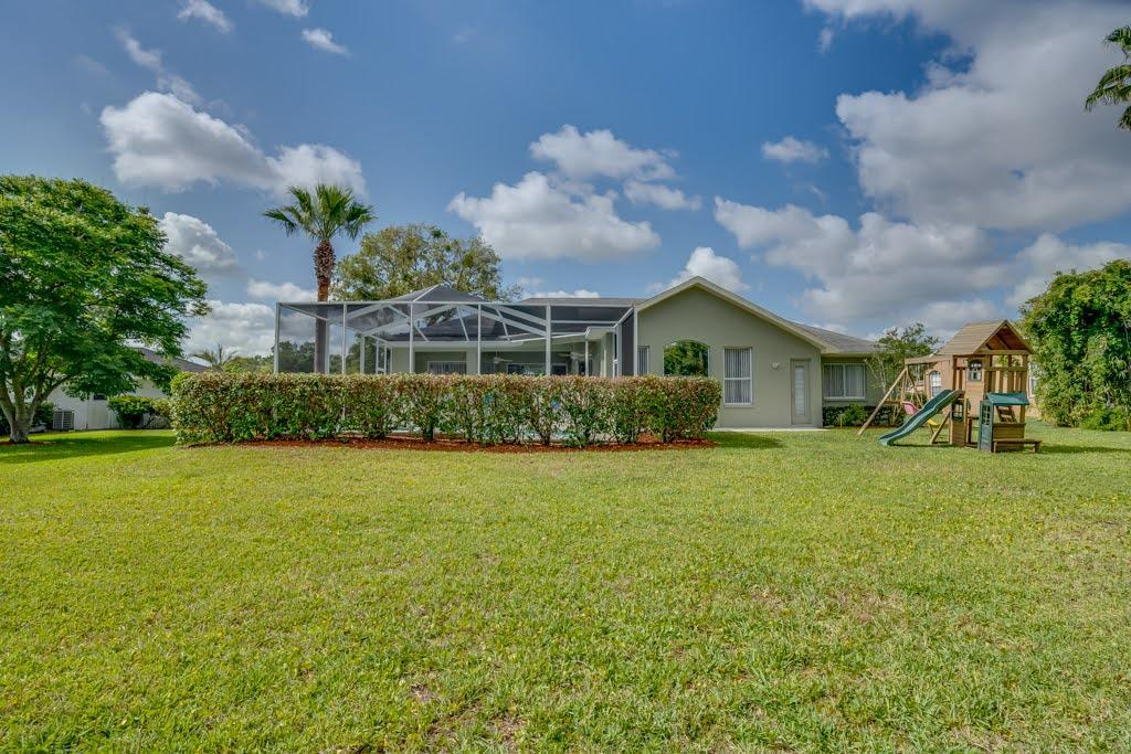Listing photo id 40 for 4108 St Ives Boulevard