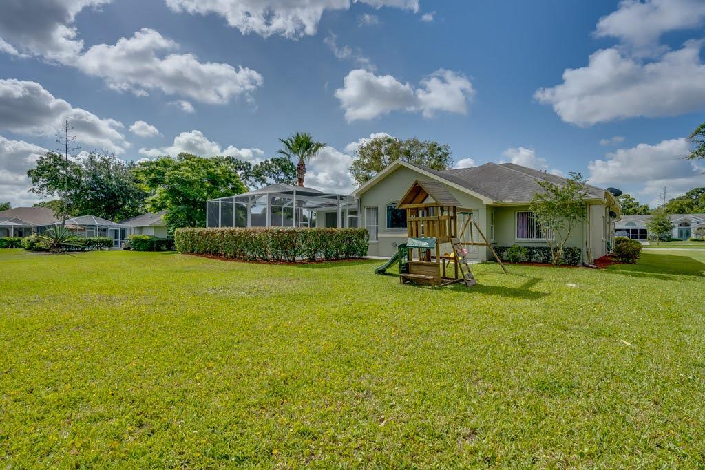 Listing photo id 41 for 4108 St Ives Boulevard