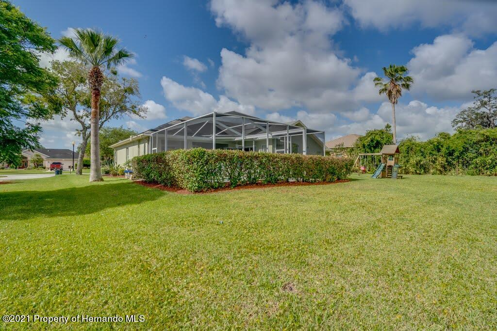 Listing photo id 42 for 4108 St Ives Boulevard