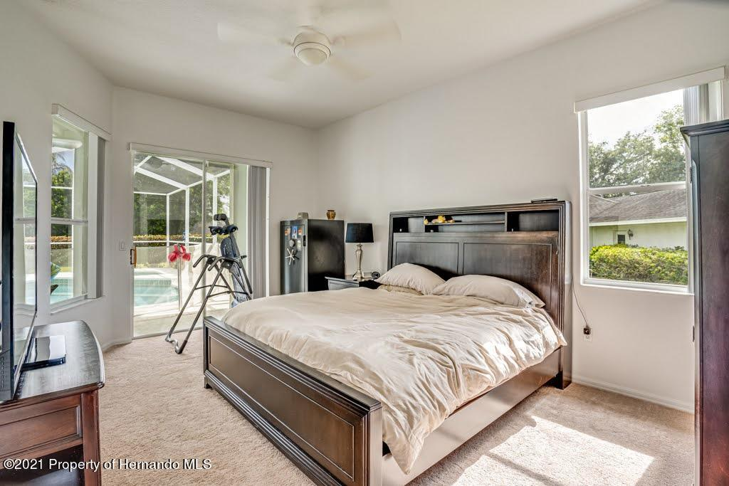 Listing photo id 8 for 4108 St Ives Boulevard