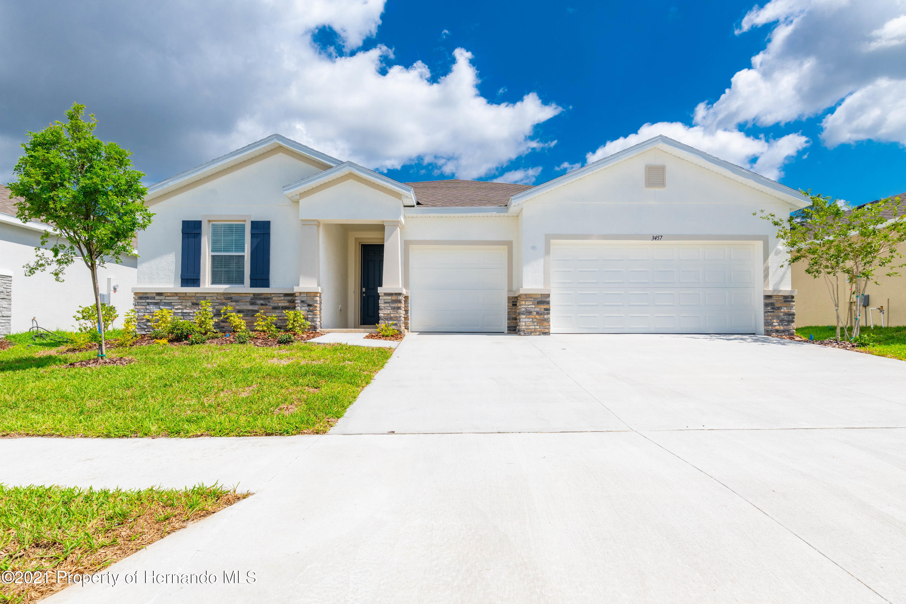 Listing photo id 2 for 3457 Autumn Amber Drive