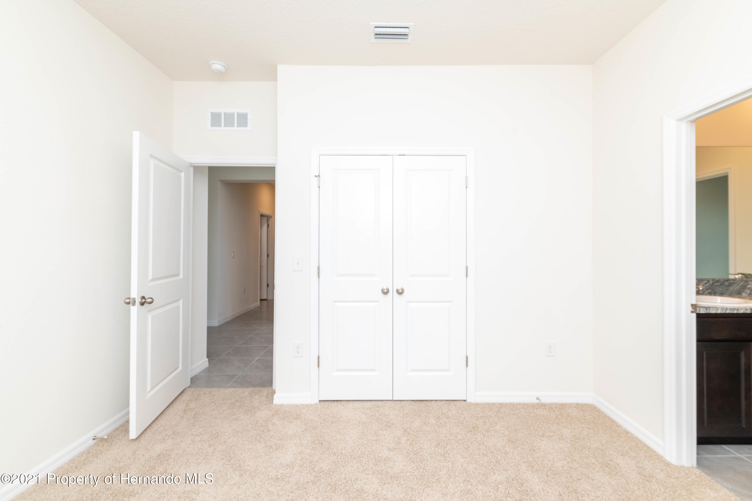 Listing photo id 9 for 3457 Autumn Amber Drive