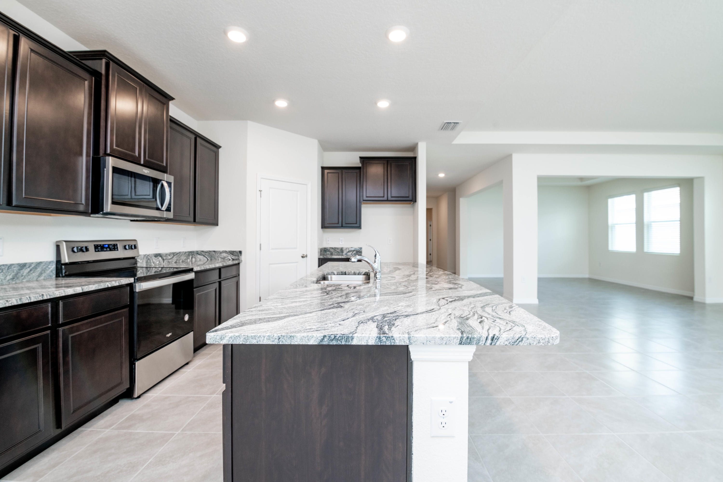 Listing photo id 10 for 3457 Autumn Amber Drive