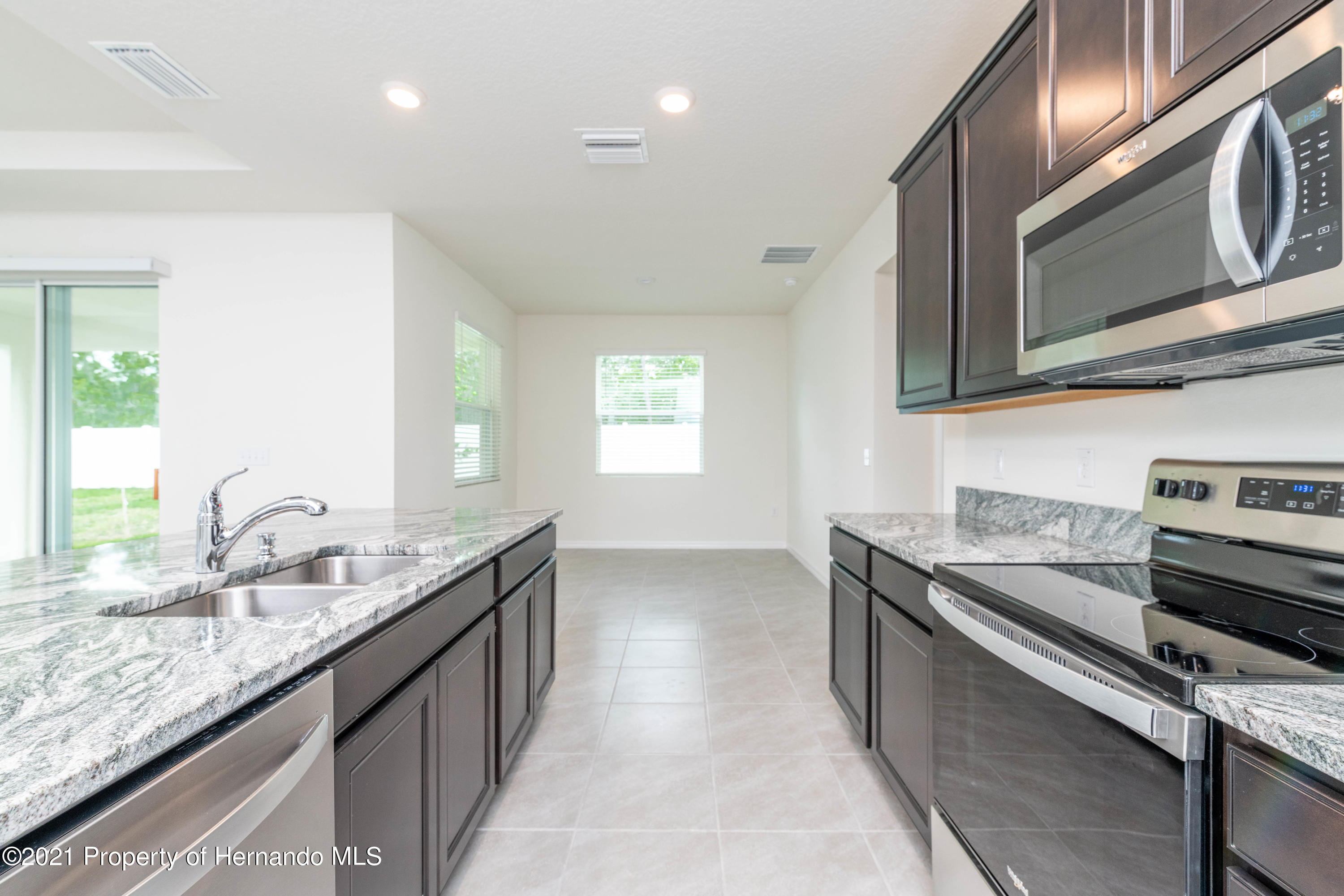 Listing photo id 13 for 3457 Autumn Amber Drive