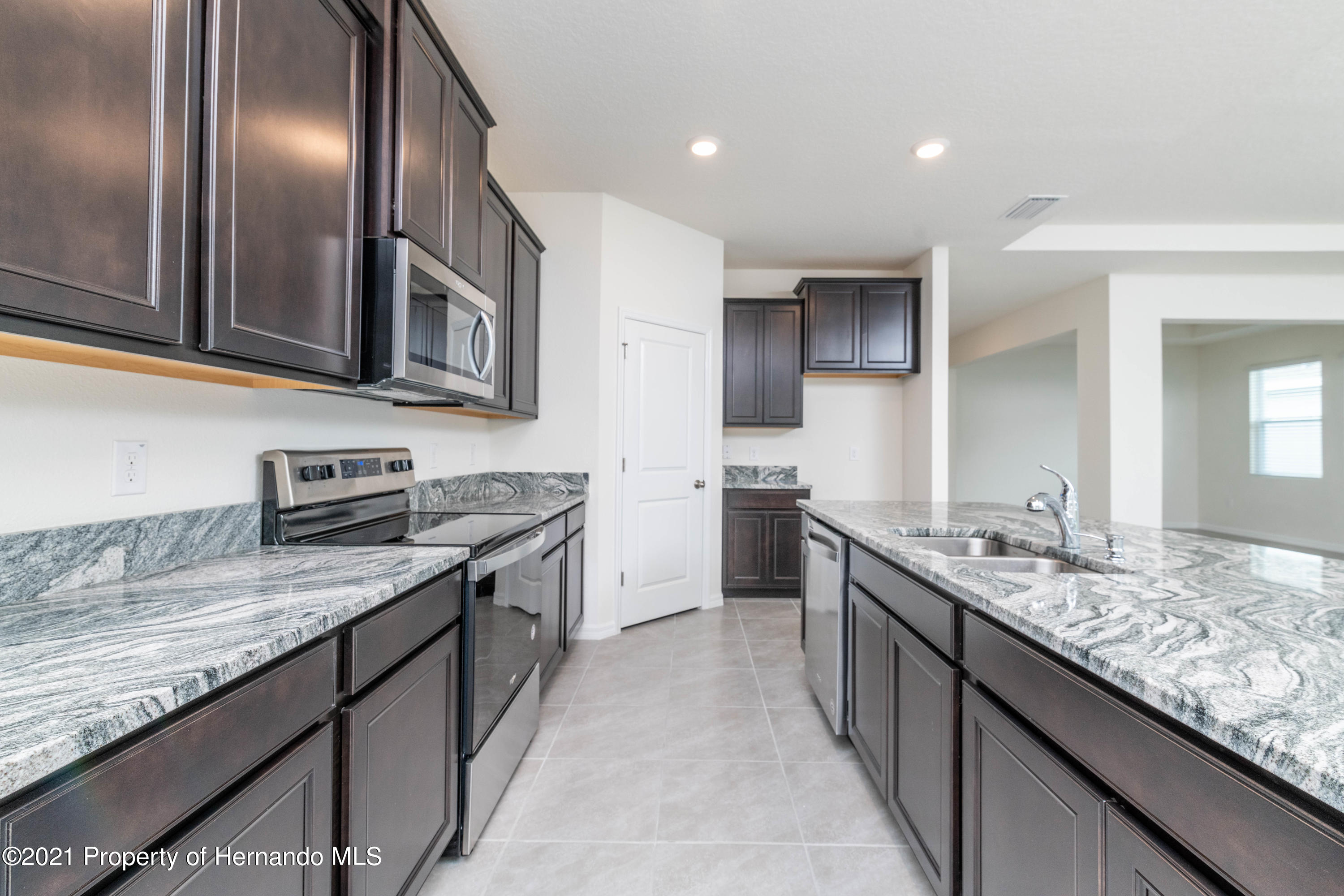 Listing photo id 15 for 3457 Autumn Amber Drive
