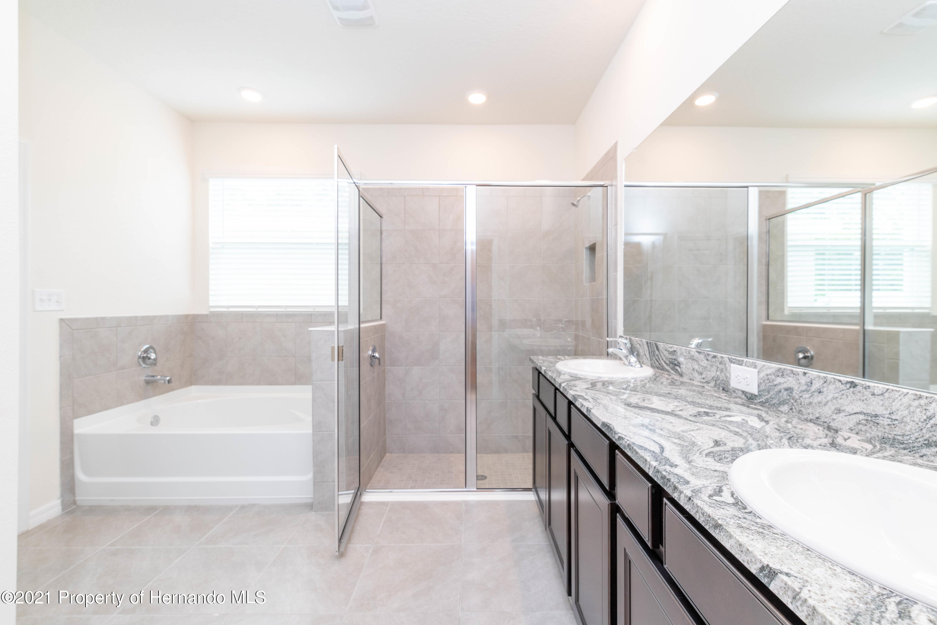 Listing photo id 24 for 3457 Autumn Amber Drive
