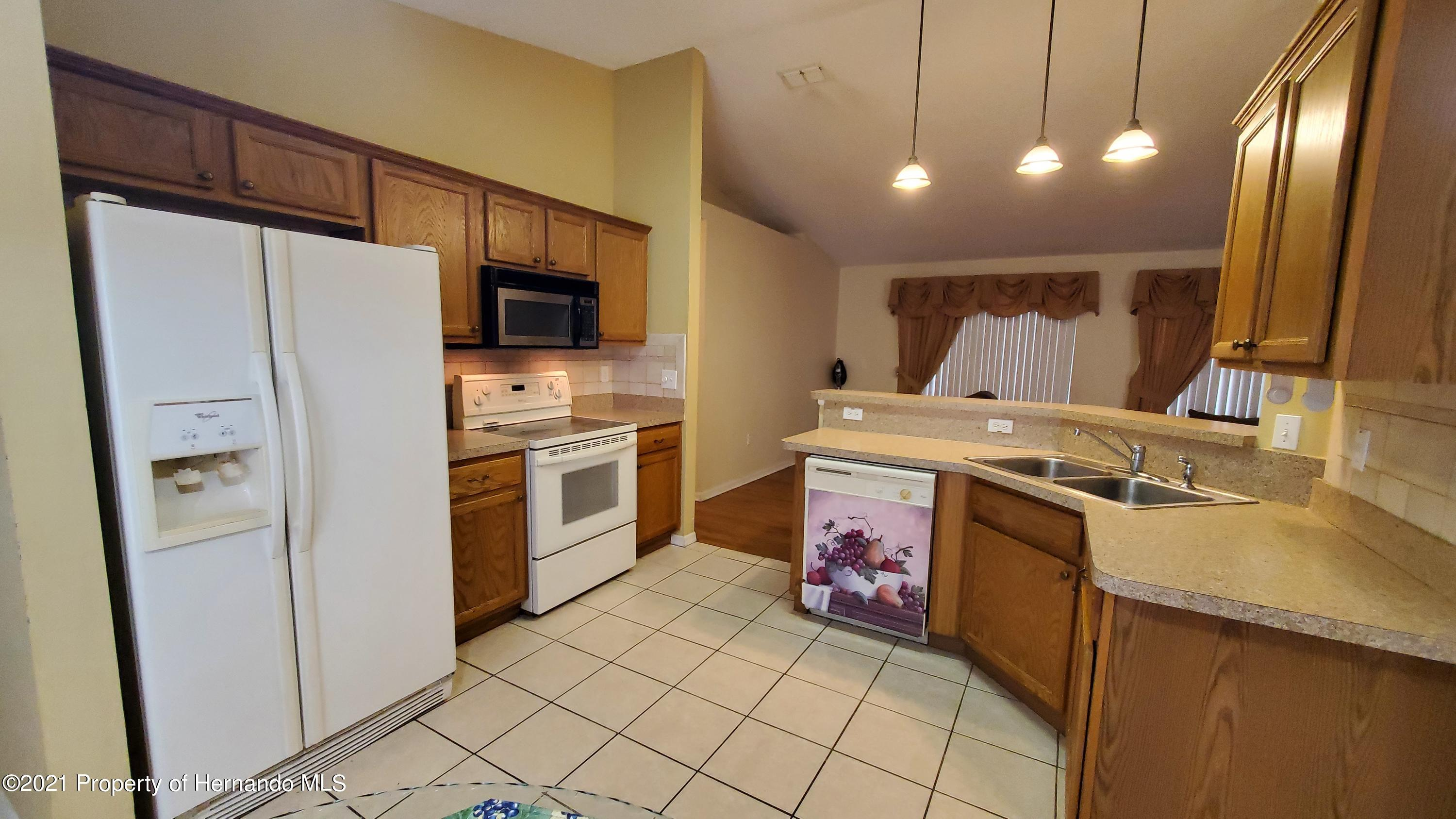 Listing photo id 8 for 2344 Canfield Drive